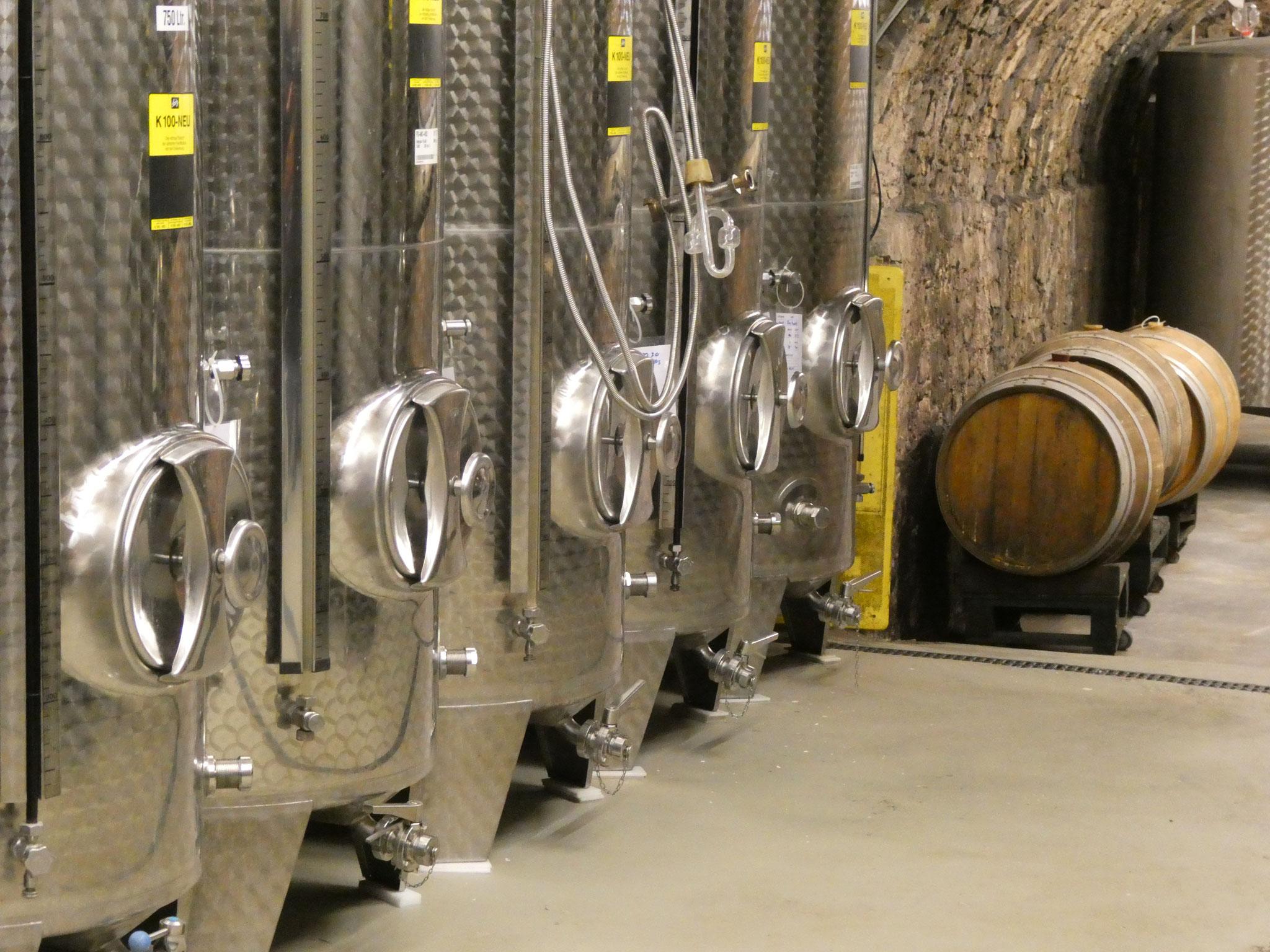 Lager- und Reifetanks: Handwerkskunst im Weingut Regie