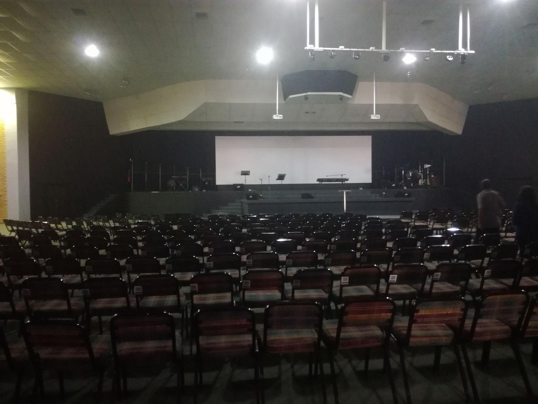 Konfernezzentrum, Bühne