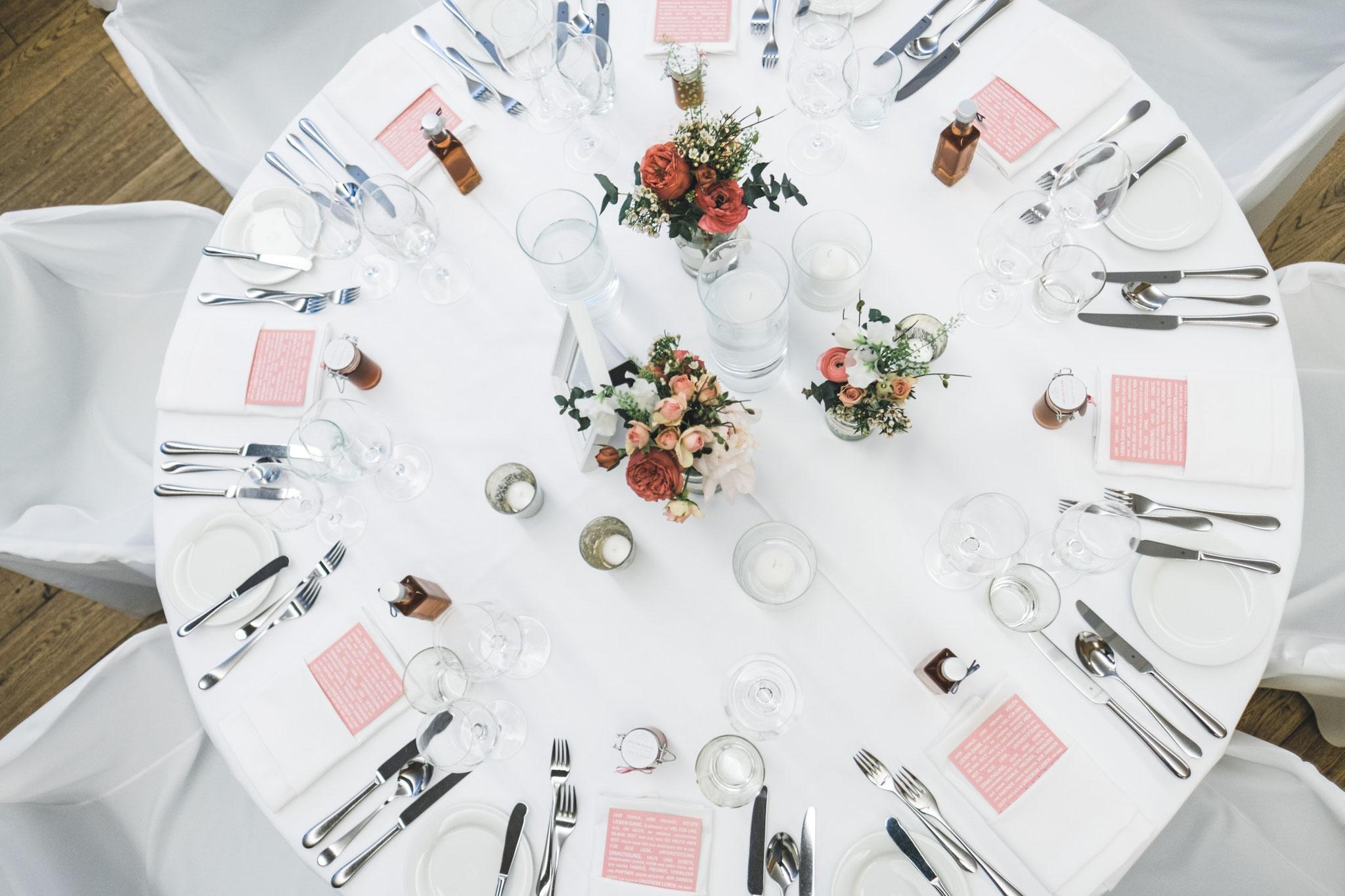 Tischdeko-Hochzeit-Steinburg