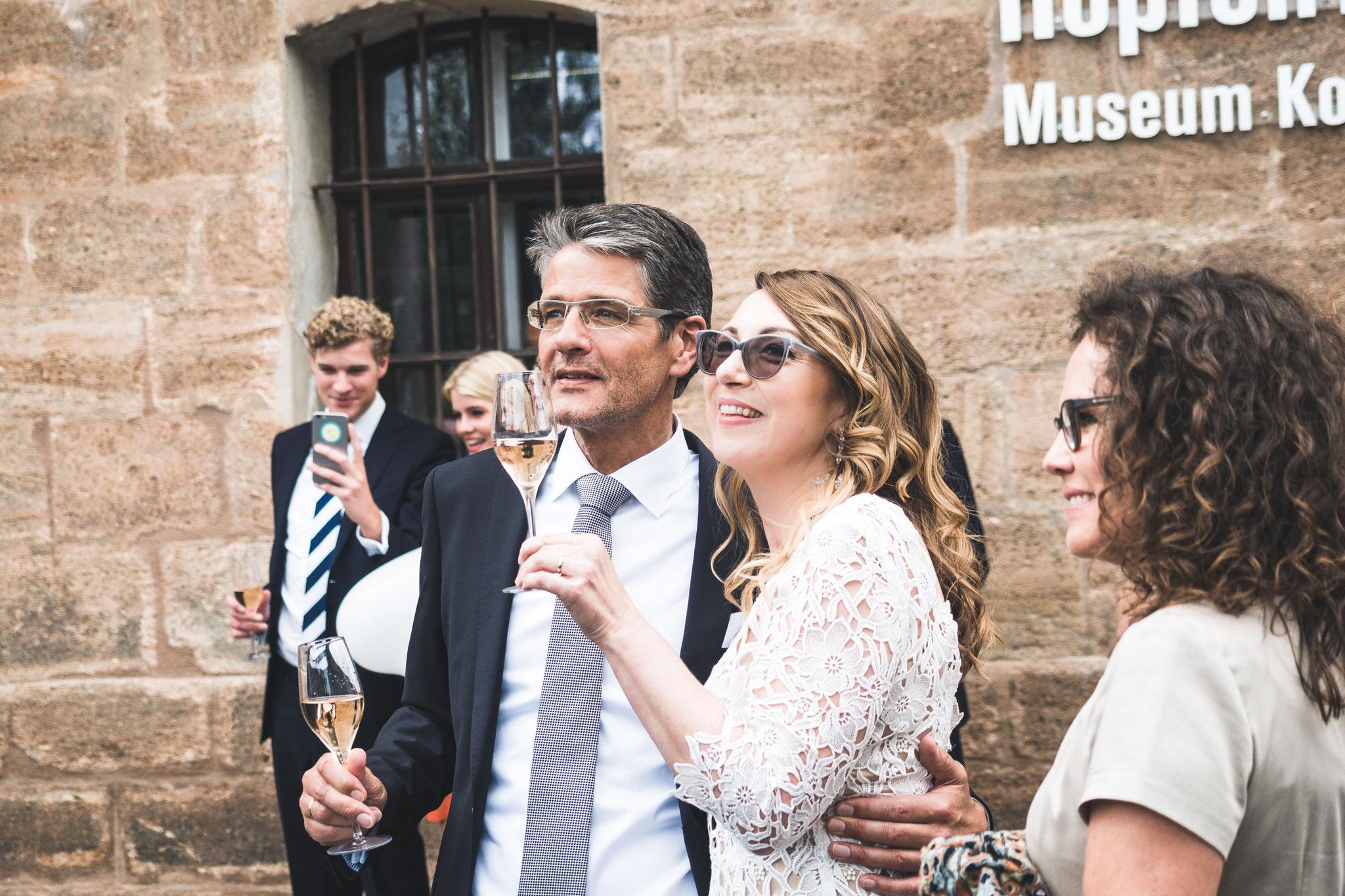 Anstoßen-Wedding
