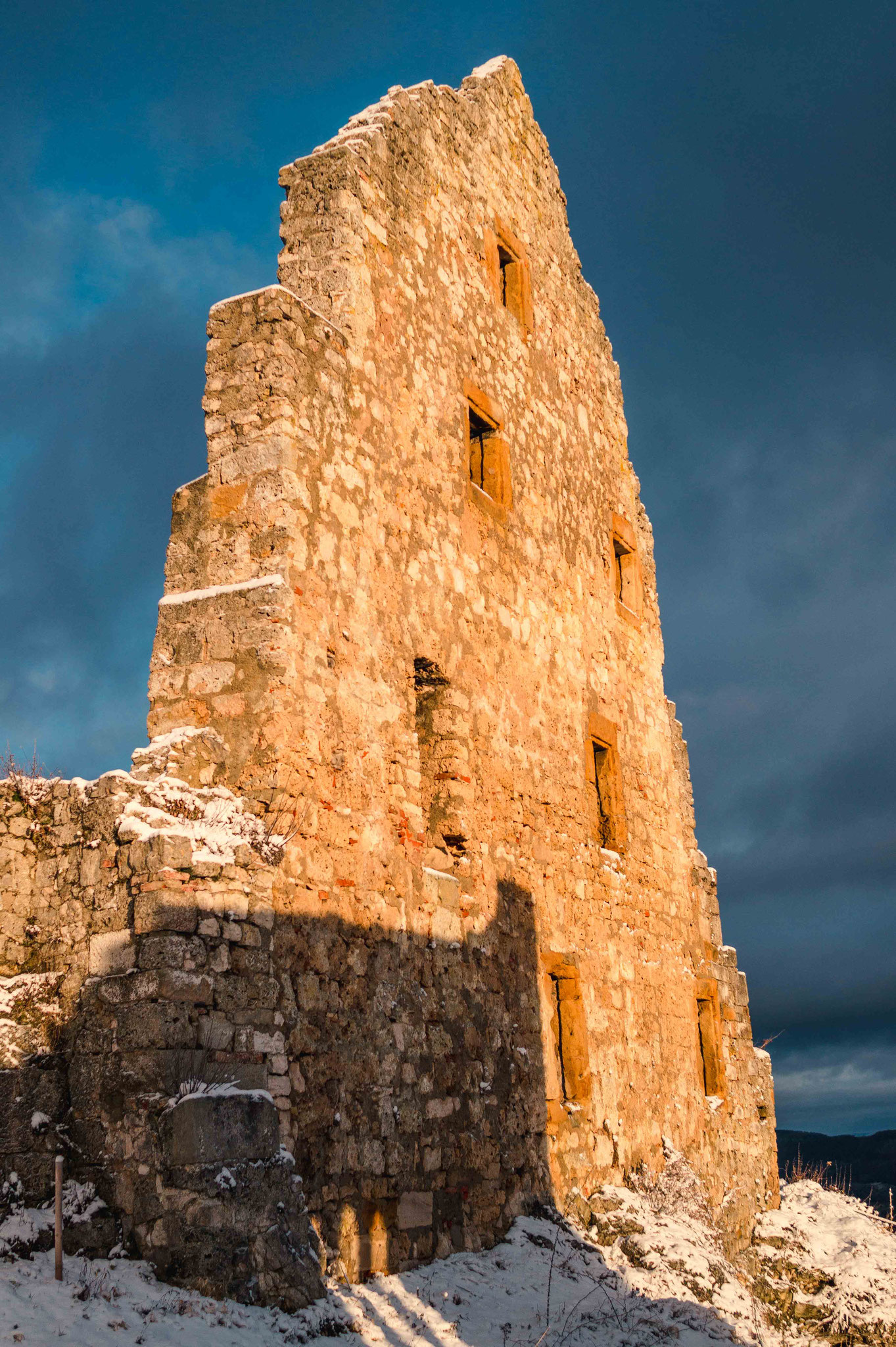 Goldene Mauer; Burg Ruine Hohen Urach