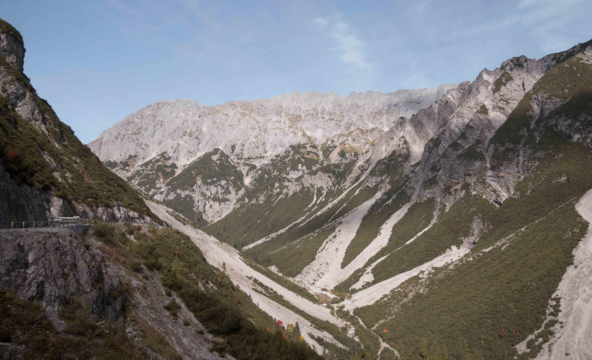 Fels Massiv in den Bergen; Innsbruck