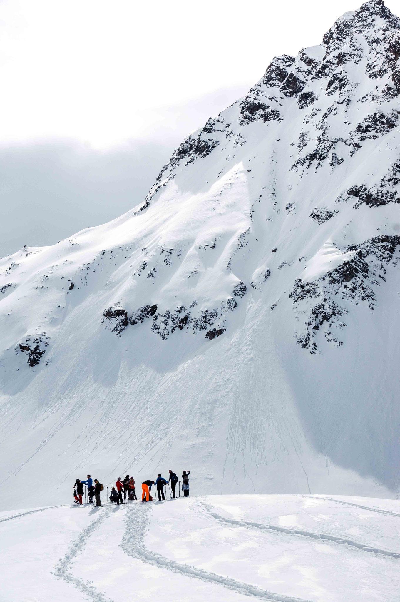 Schneeschuhwanderung; Stausee Silveretta Montafon