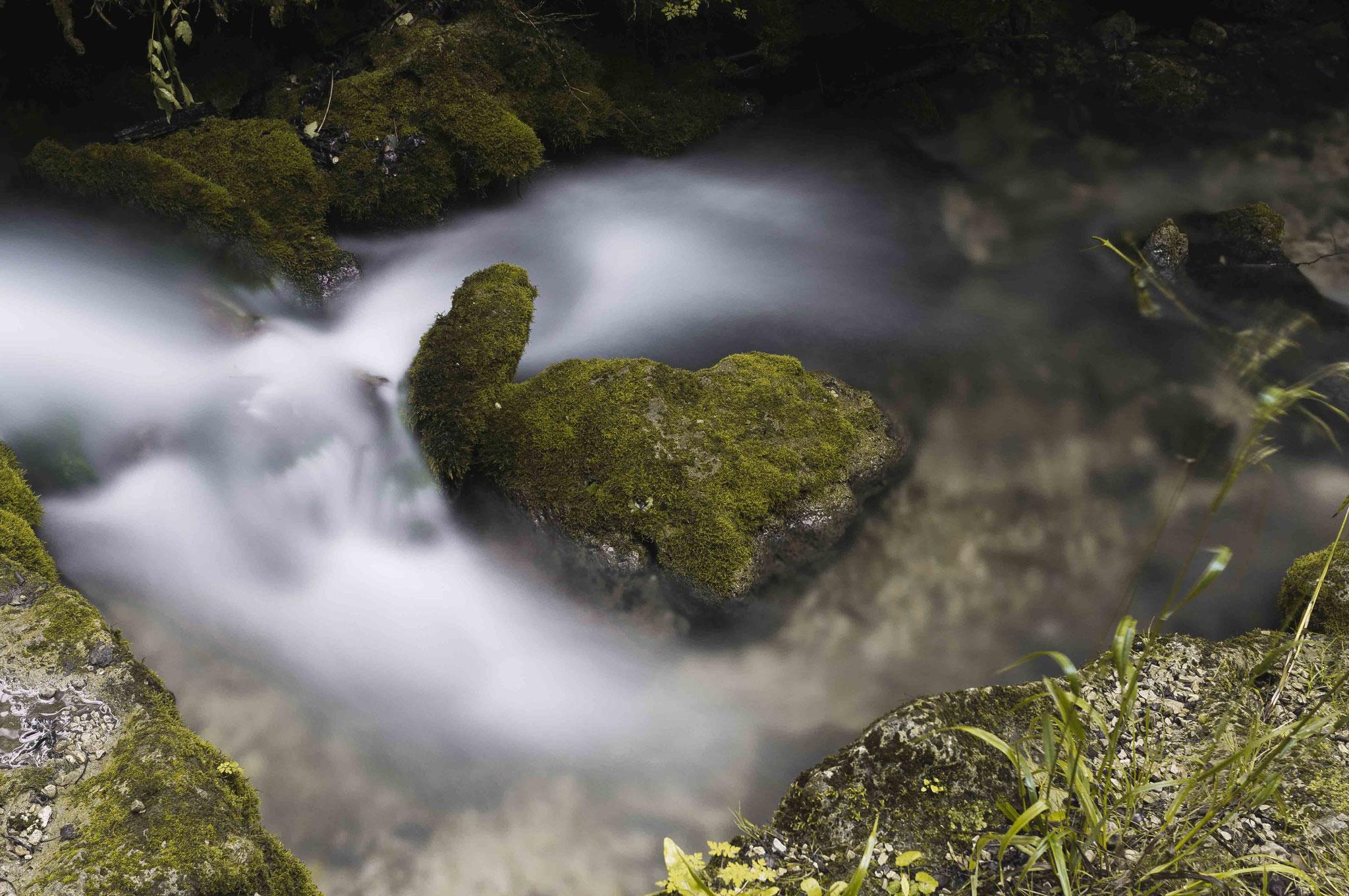 Lebenskraft des Wassers; Wasserfall Bad Urach