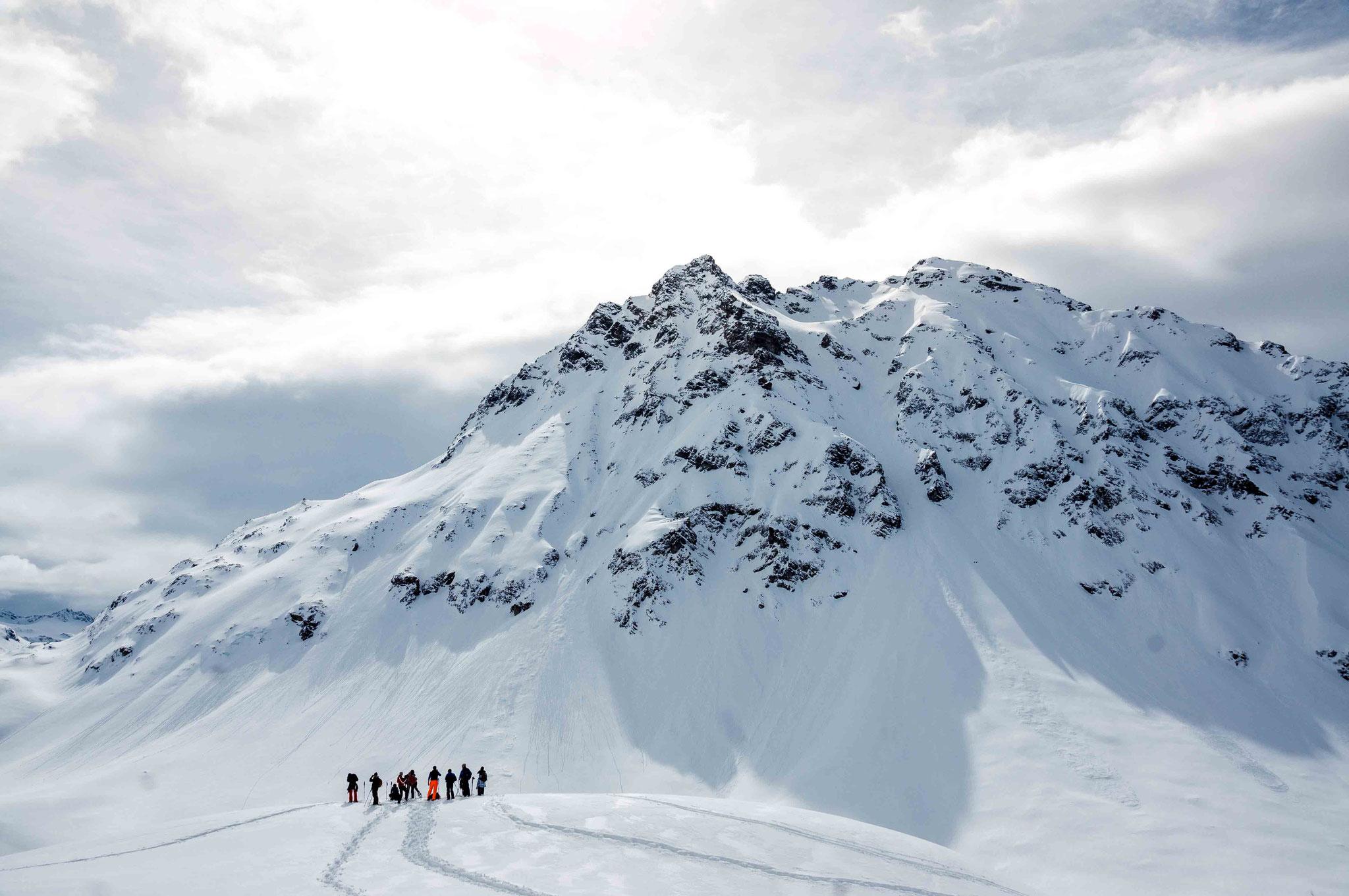 Schneeschuh wandern auf dem Silveretta Pass; Montafon