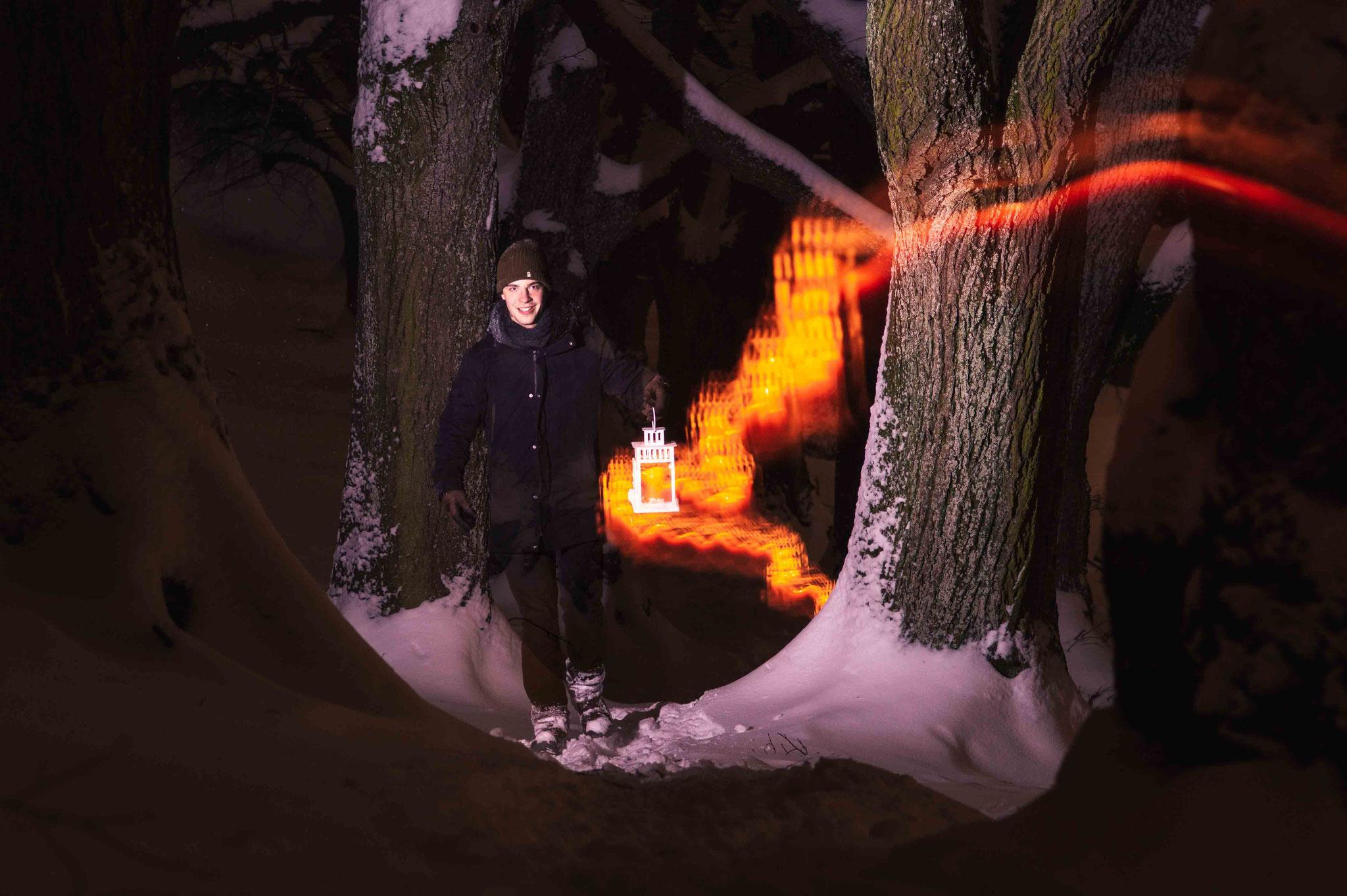 Nachtwanderung mit Laterne; Burg Teck im Winter
