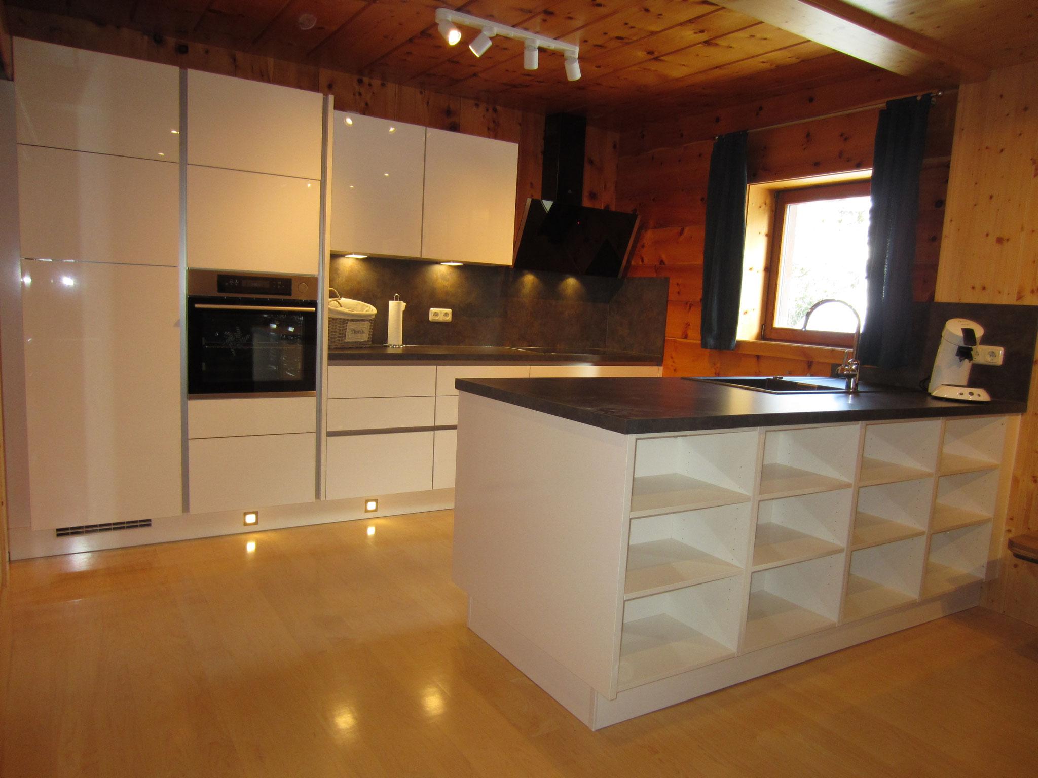 Zirbenwald-Lodge - Große offene Küche - NEU
