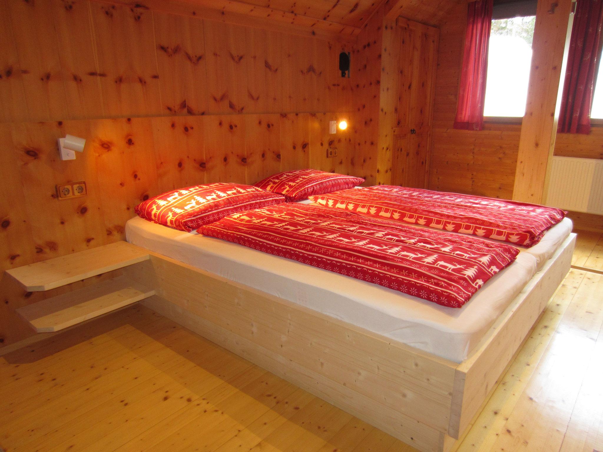 """Zirbenwald Lodge - Schlafzimmer """"Zirbe"""""""