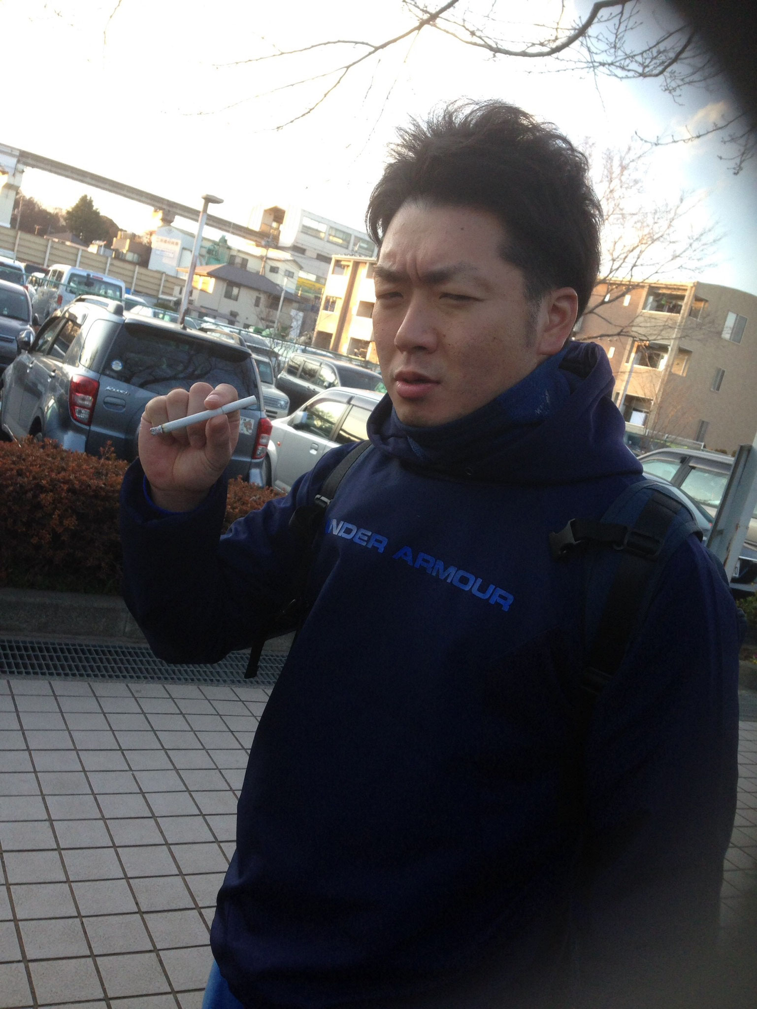 タバコ吸うだけなのに渋すぎやしまへんか?笑