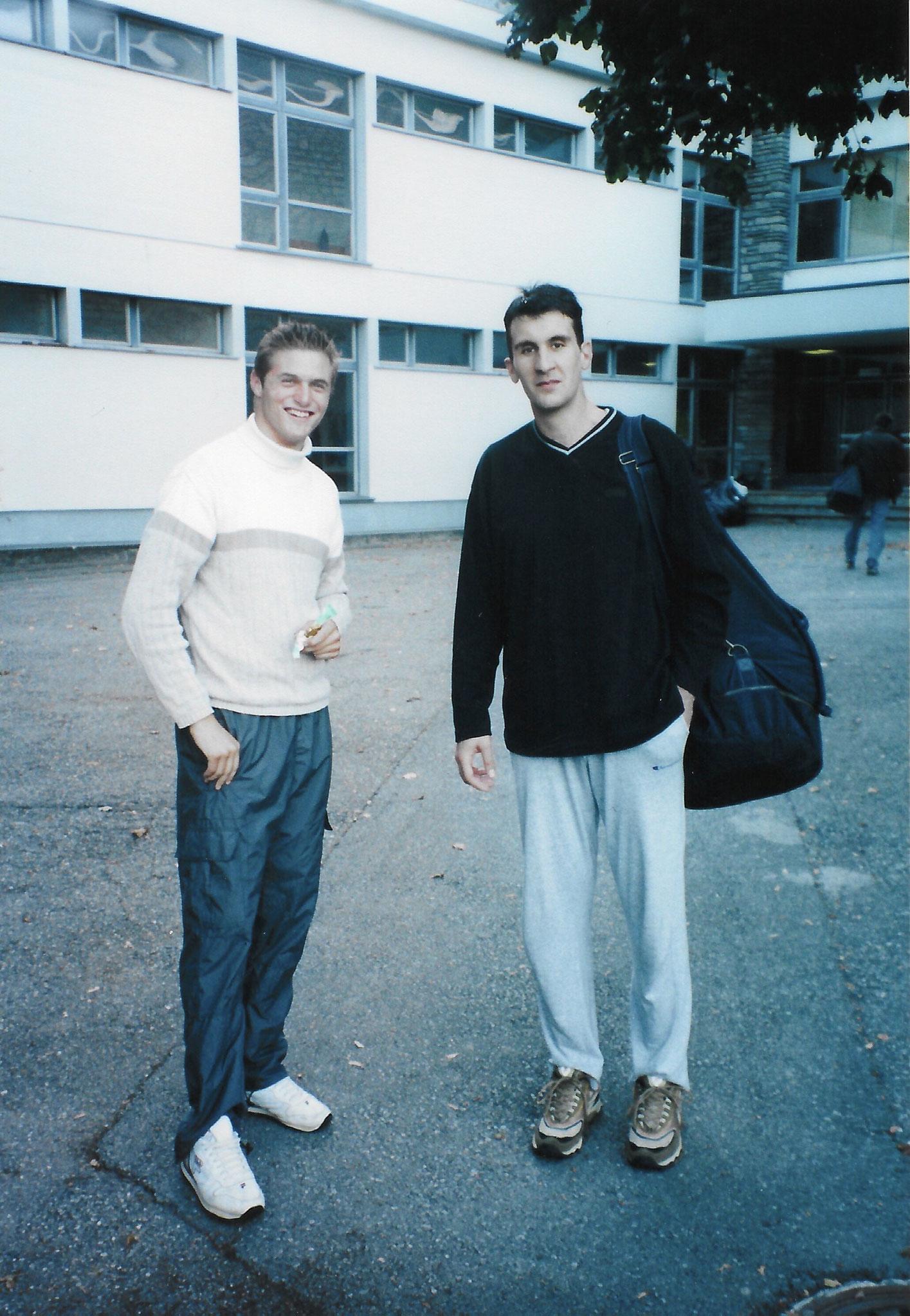 2000/2001 - Der aktuelle SCB Juniorenchef und damalige Spieler Zoran Popovic (rts.)