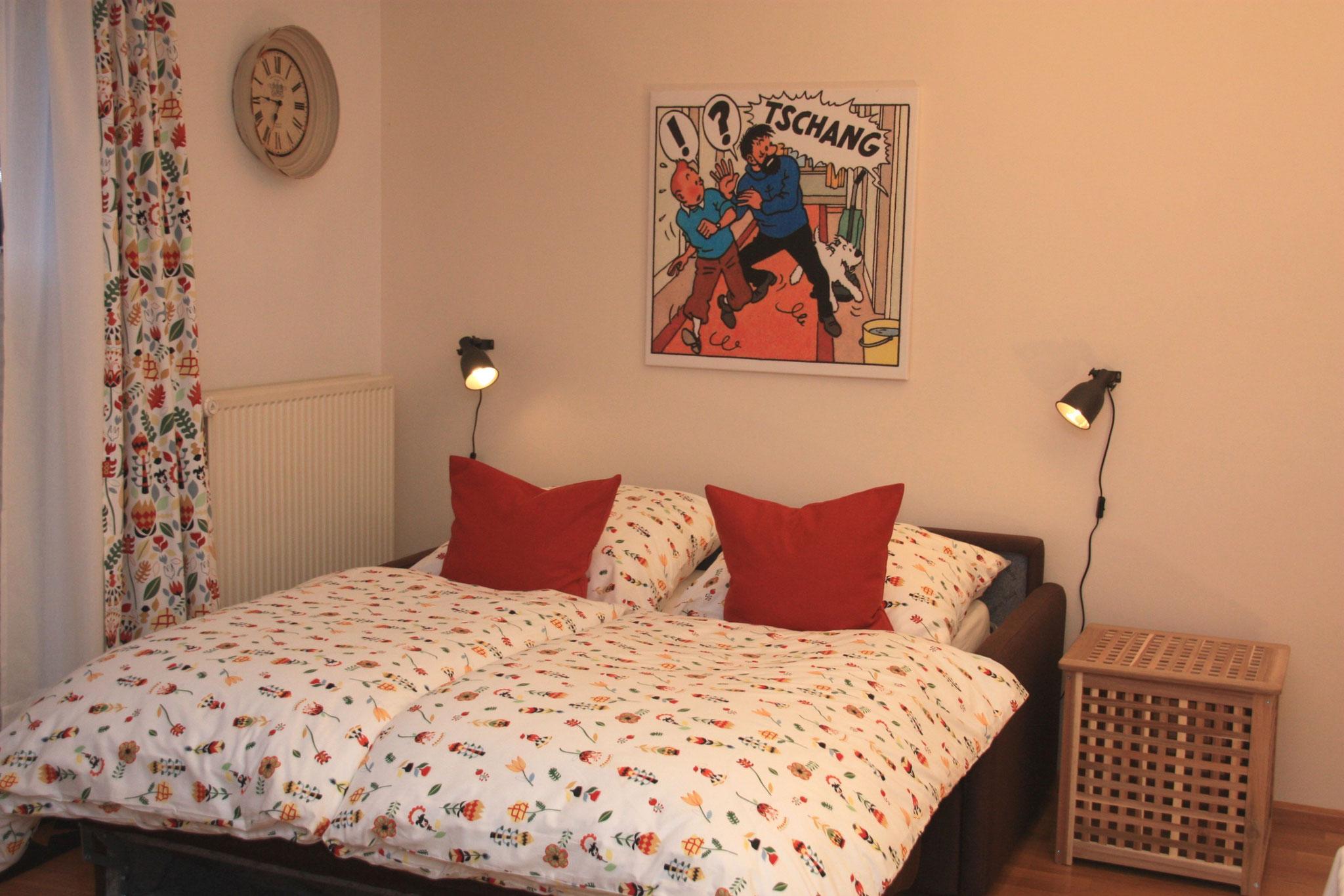 Das Doppelbett mit separater Matratze (1,40 x 2,00 m) im Wohnzimmer ...  | Het gerieflijke tweepersoonsbed met een separate matras (1,40 x 2,00 m) ...
