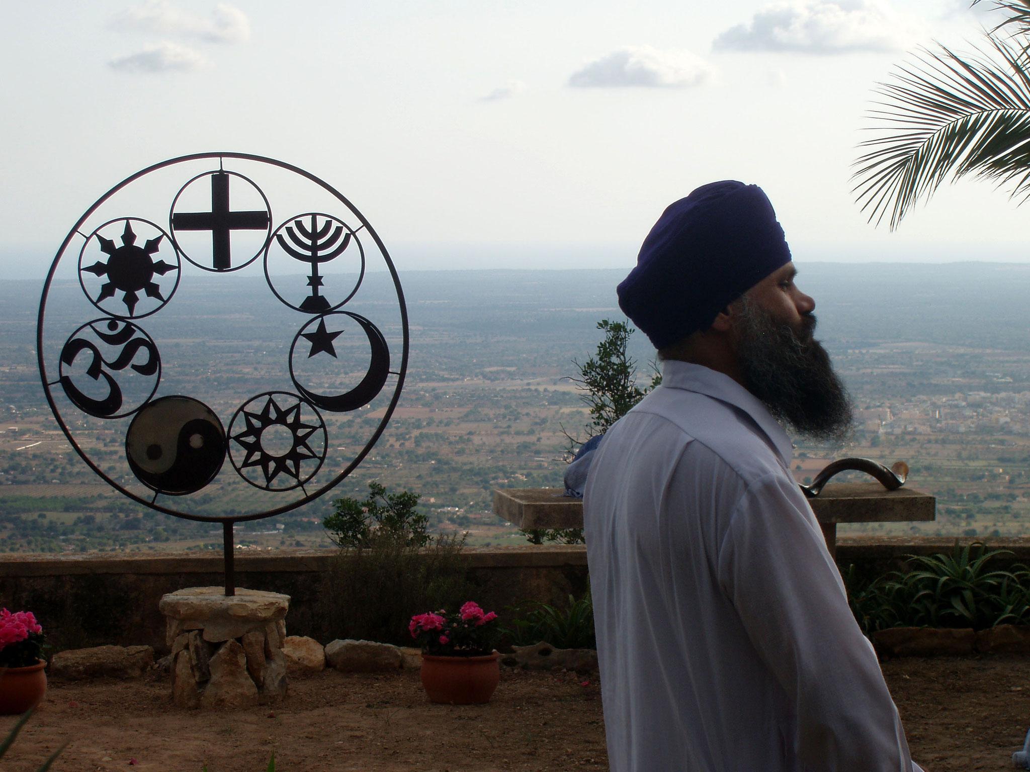 """Visita """"Membre de la Comunitat de Mca Sikh. Any 2016"""