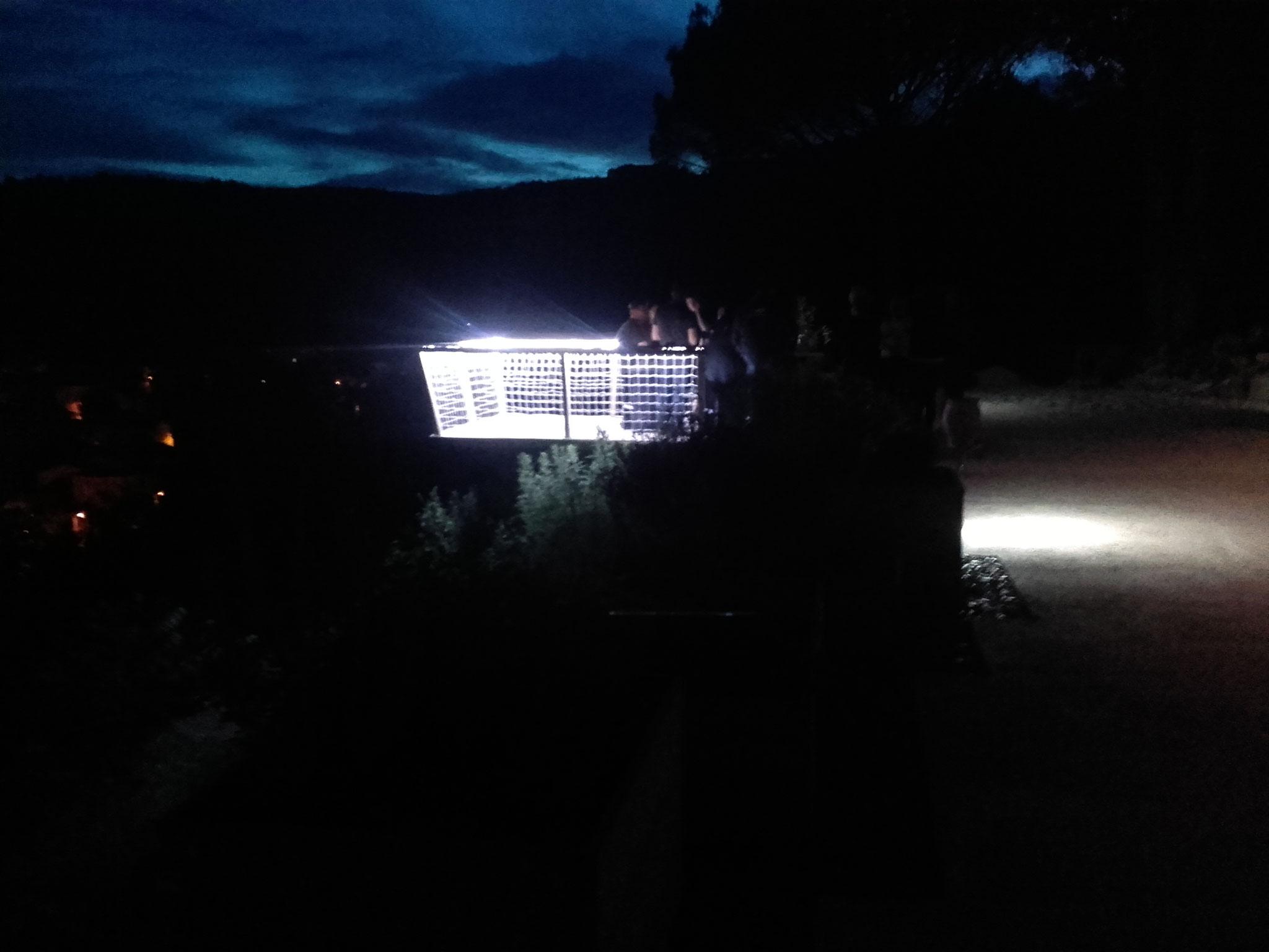 Dés la tombée de la nuit, le belvédère s'habille de mille feux...
