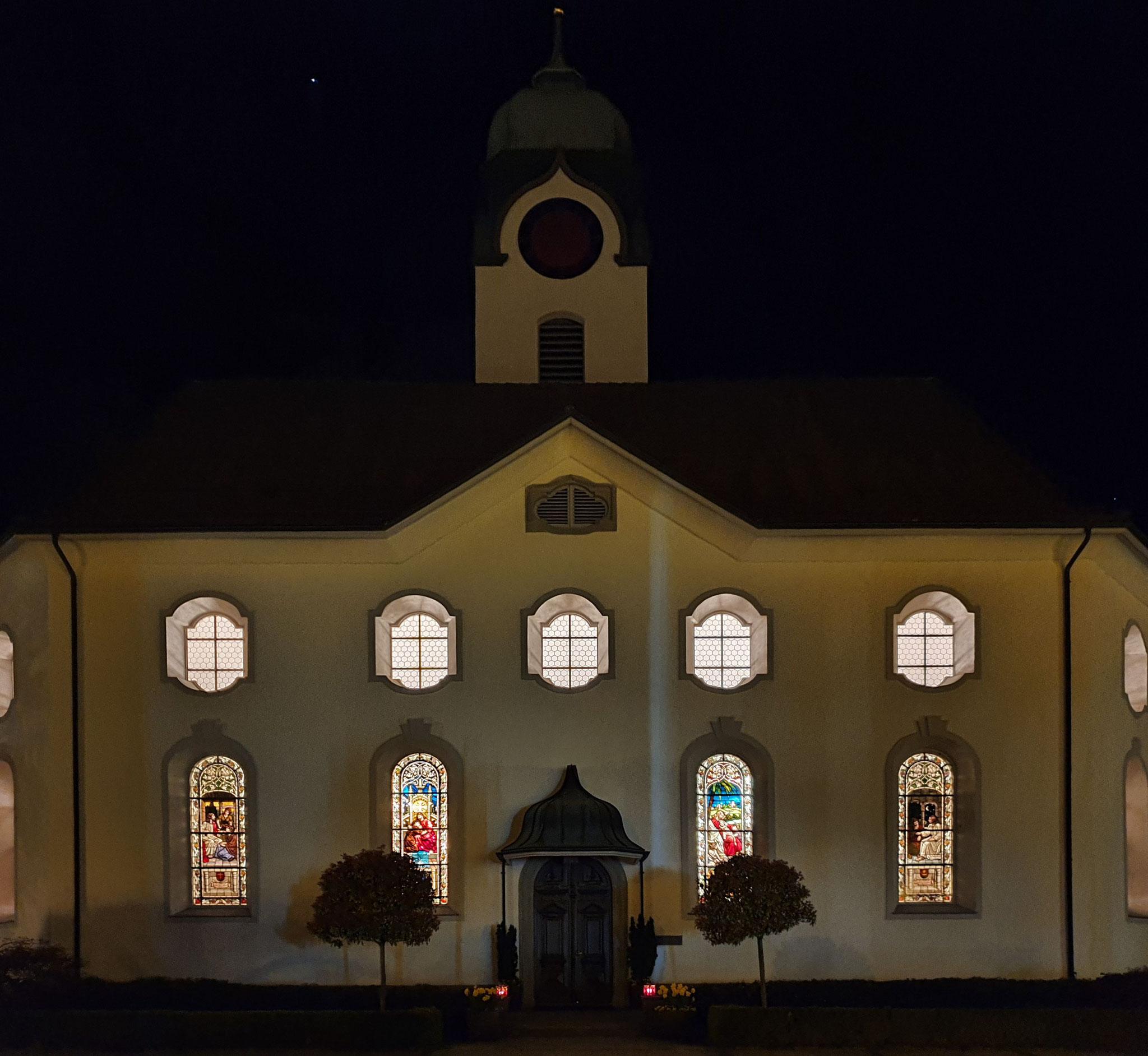 3 Kirche bei Nacht