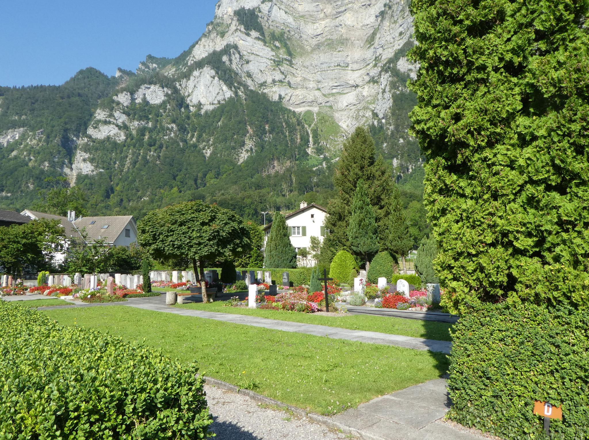 16 Friedhof