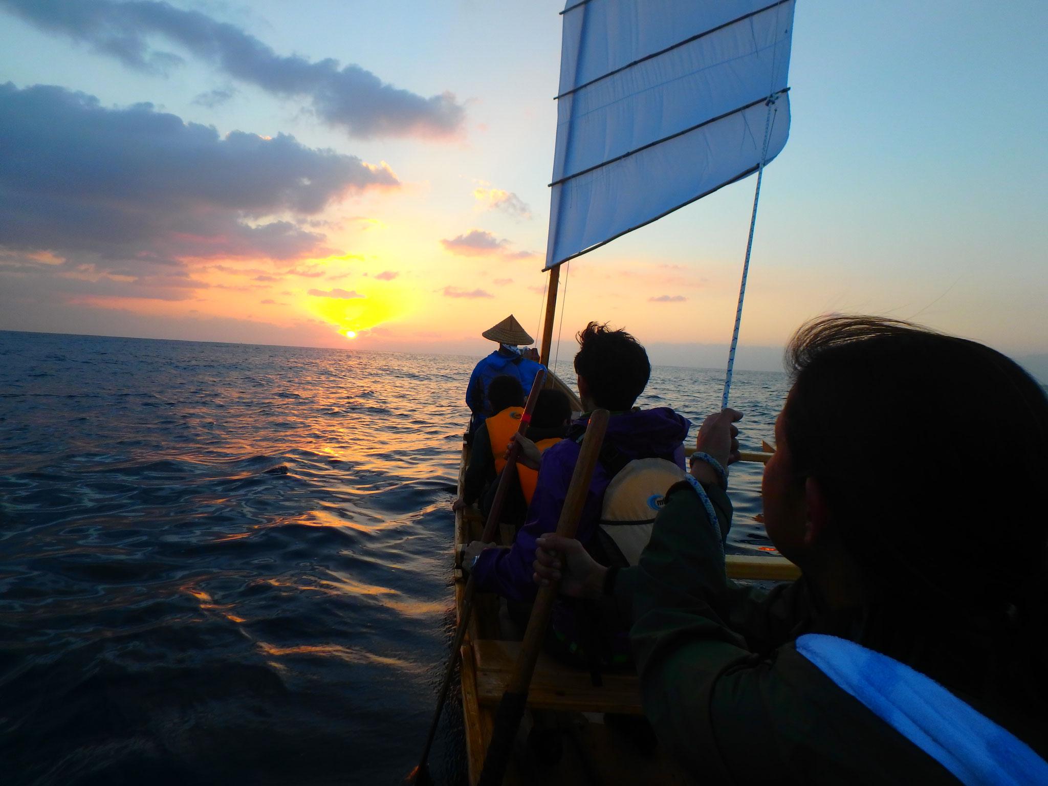 海から上がる初日の出スポットがここ東村。
