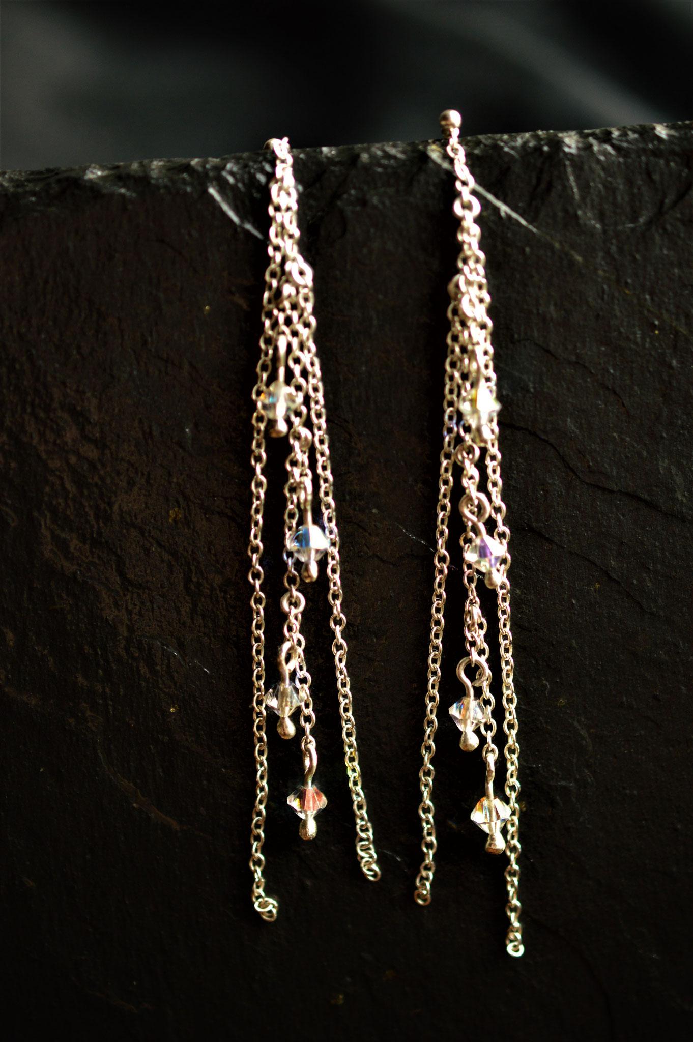 Boucles d'oreilles chaînettes en argent massif et perle de cristal de Swarovski