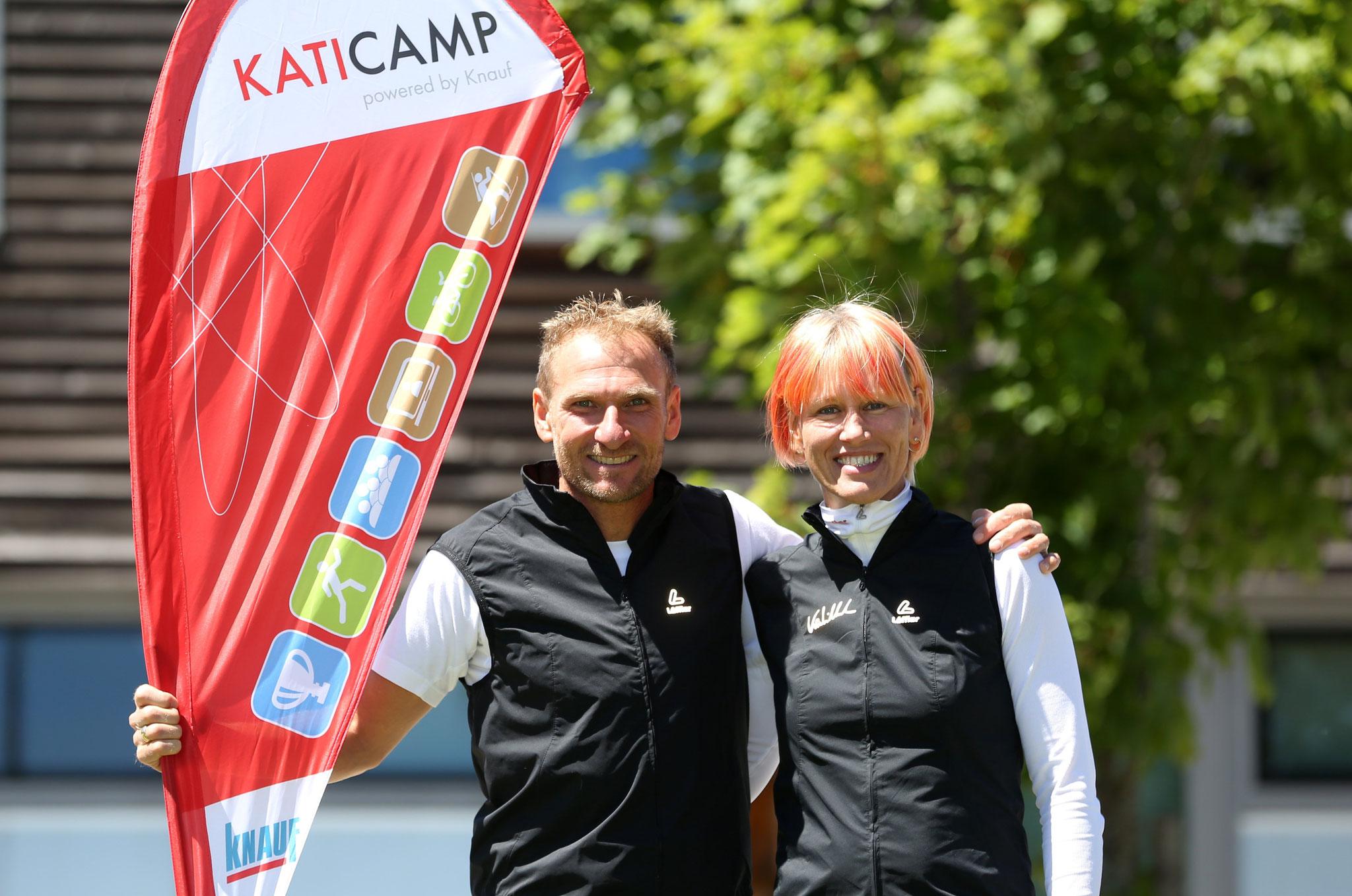 Gastgeberin des Camps Kati Wilhelm mit ihrem ehemaligen Heimtrainer Andi Stitzl; Foto: Karina Heßland