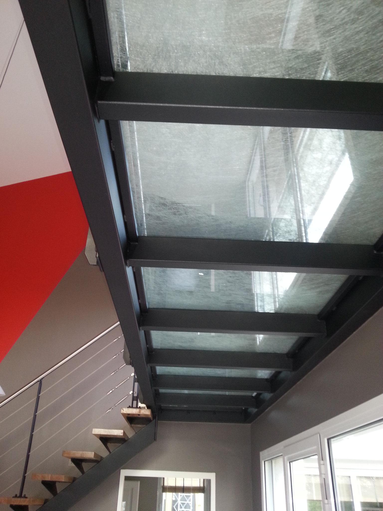 Mezzanine avec plancher verre