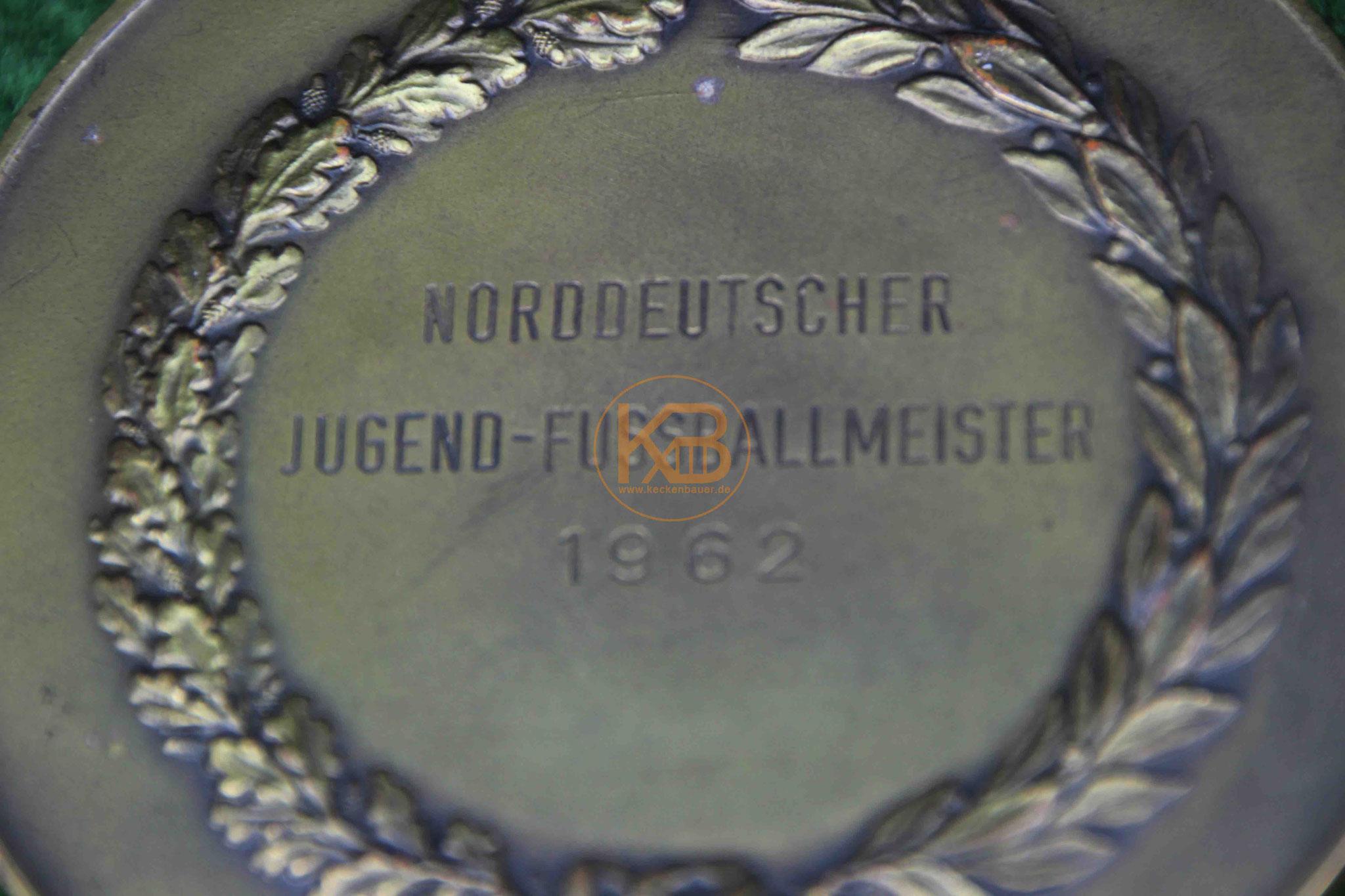 Erinnerungsmedaille von Hannover96 anlässlich der Norddeutschen Jugendmeisterschaft im Jahr 1962 2/2