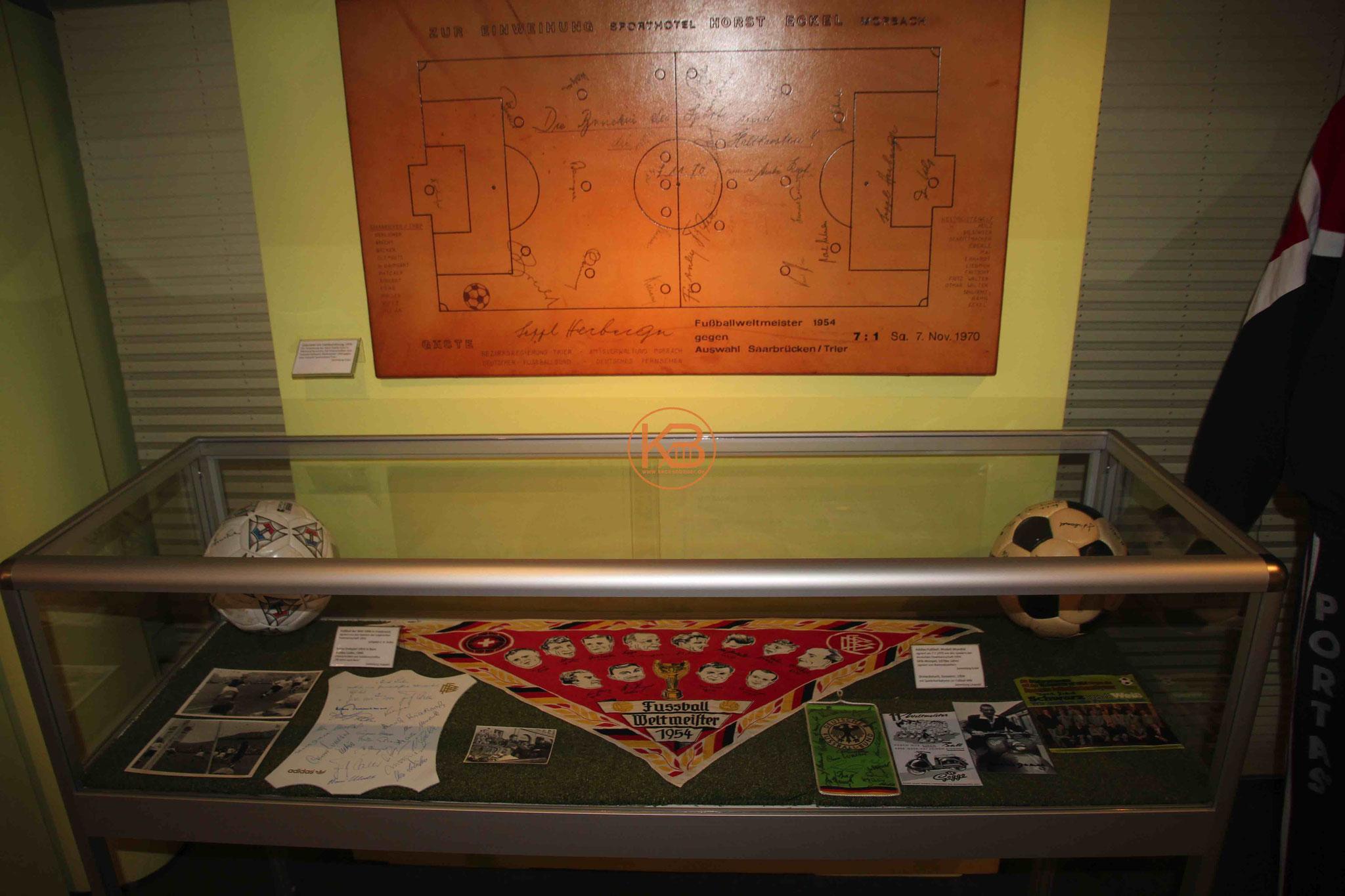 Weitere Exponate zur WM 1954