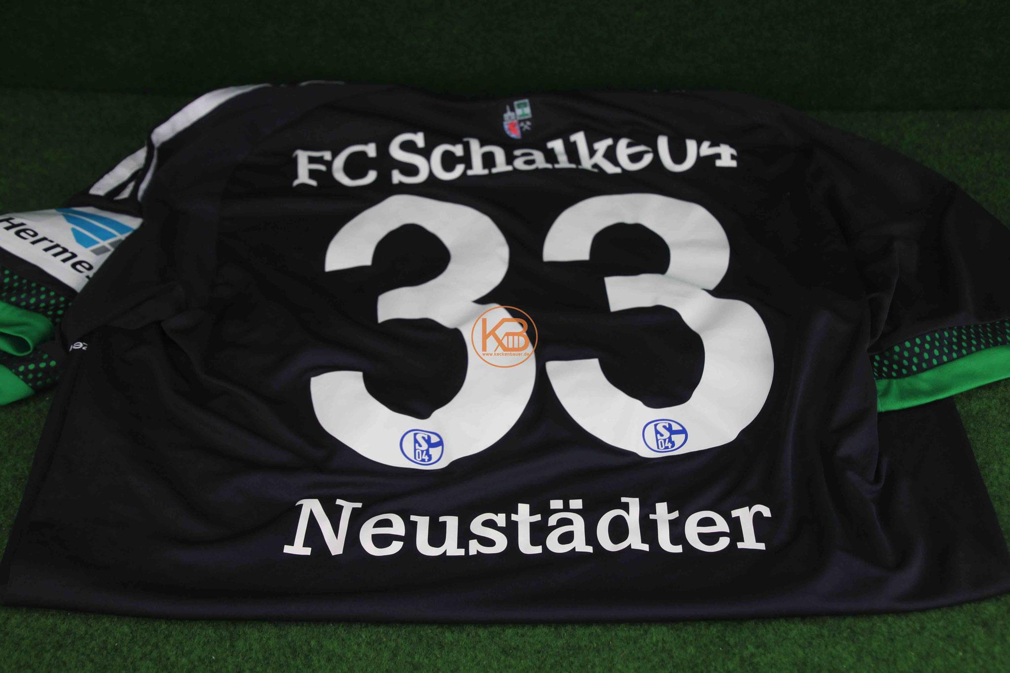 Ein original Matchprepared Bundesliga Trikot von Schalke 04  von Roman Neustädter 2/2