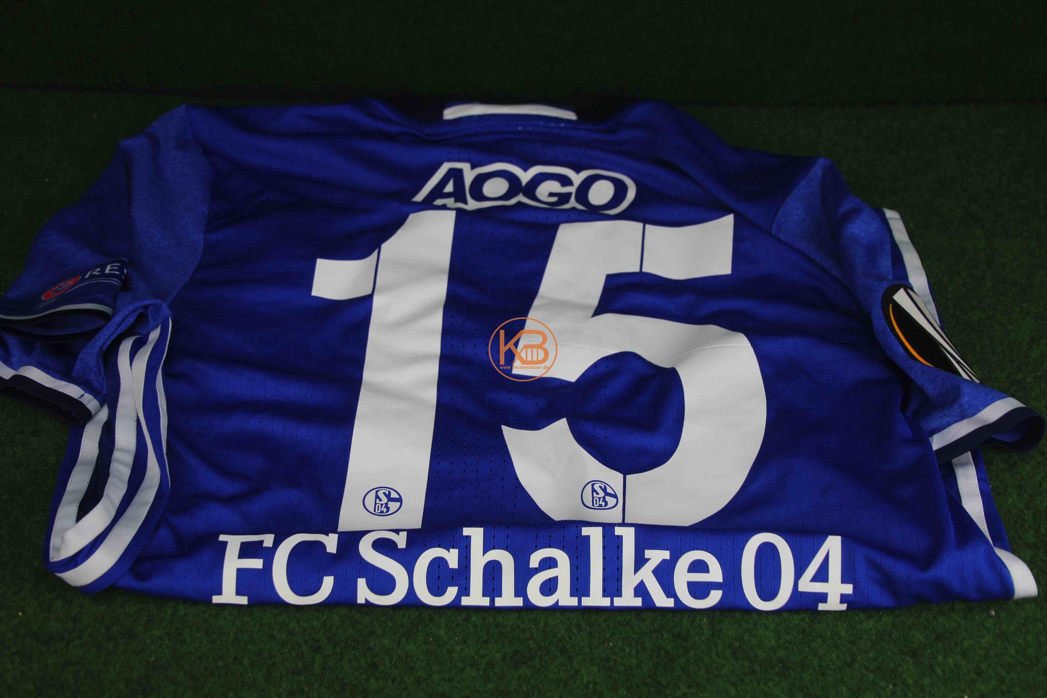 Ein original Matchprepared Uefa Pokal Trikot von Schalke 04  von Dennis Aogo 2/2