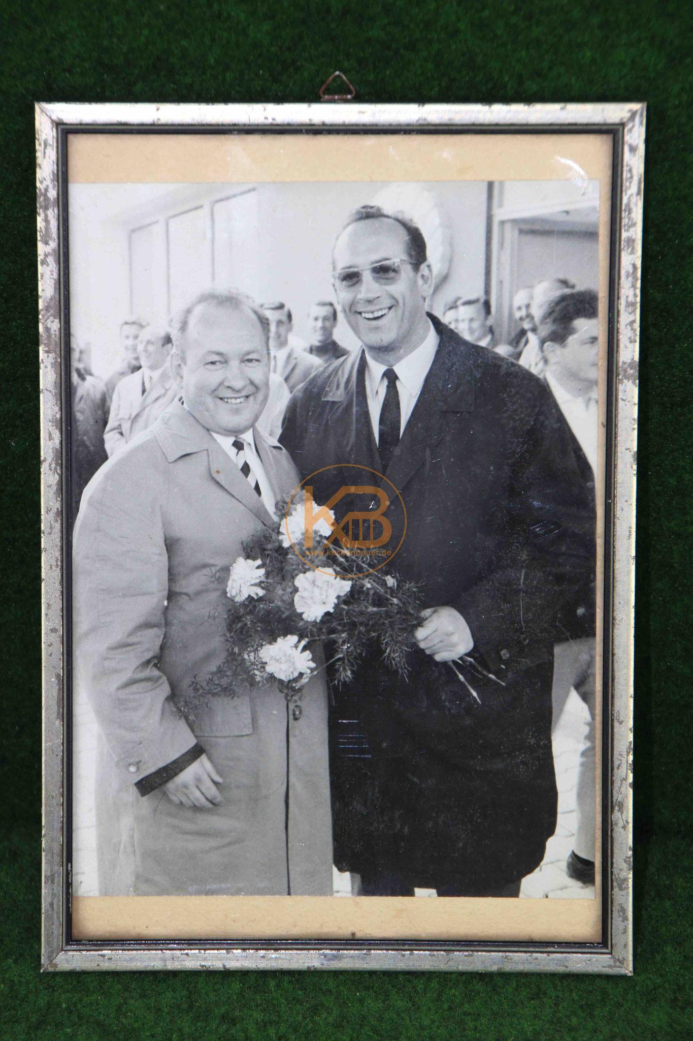 """Foto aus dem Nachlass von Max Merkel auf dem er mit Zlatko """"Tschick"""" Cajkovski abgebildet ist."""