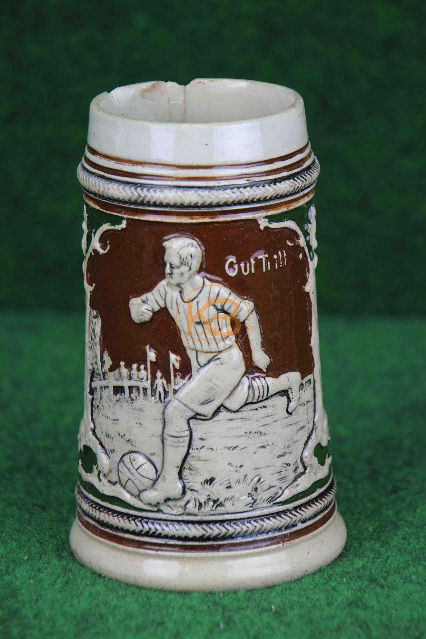 Sehr schöner und seltener historischer Fussball – Bierkrug – Humpen – Gut Tritt aus den 1920er Jahren 1/3