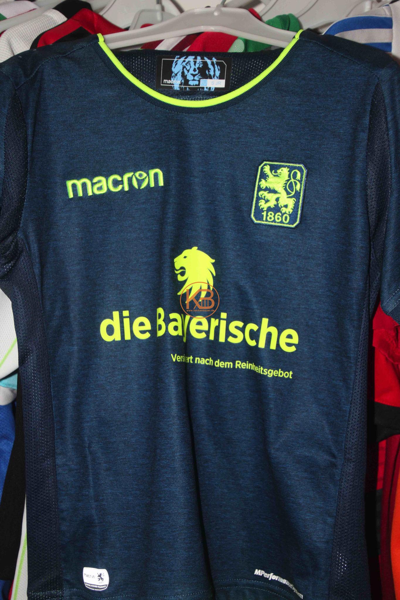 """Trikot mit Eigennamen von 1860 München mit """"seiner"""" Nummer 18 1/2"""