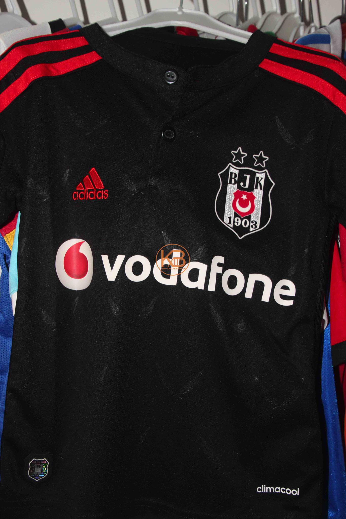 Adidas Trikot von Besiktas Istanbul