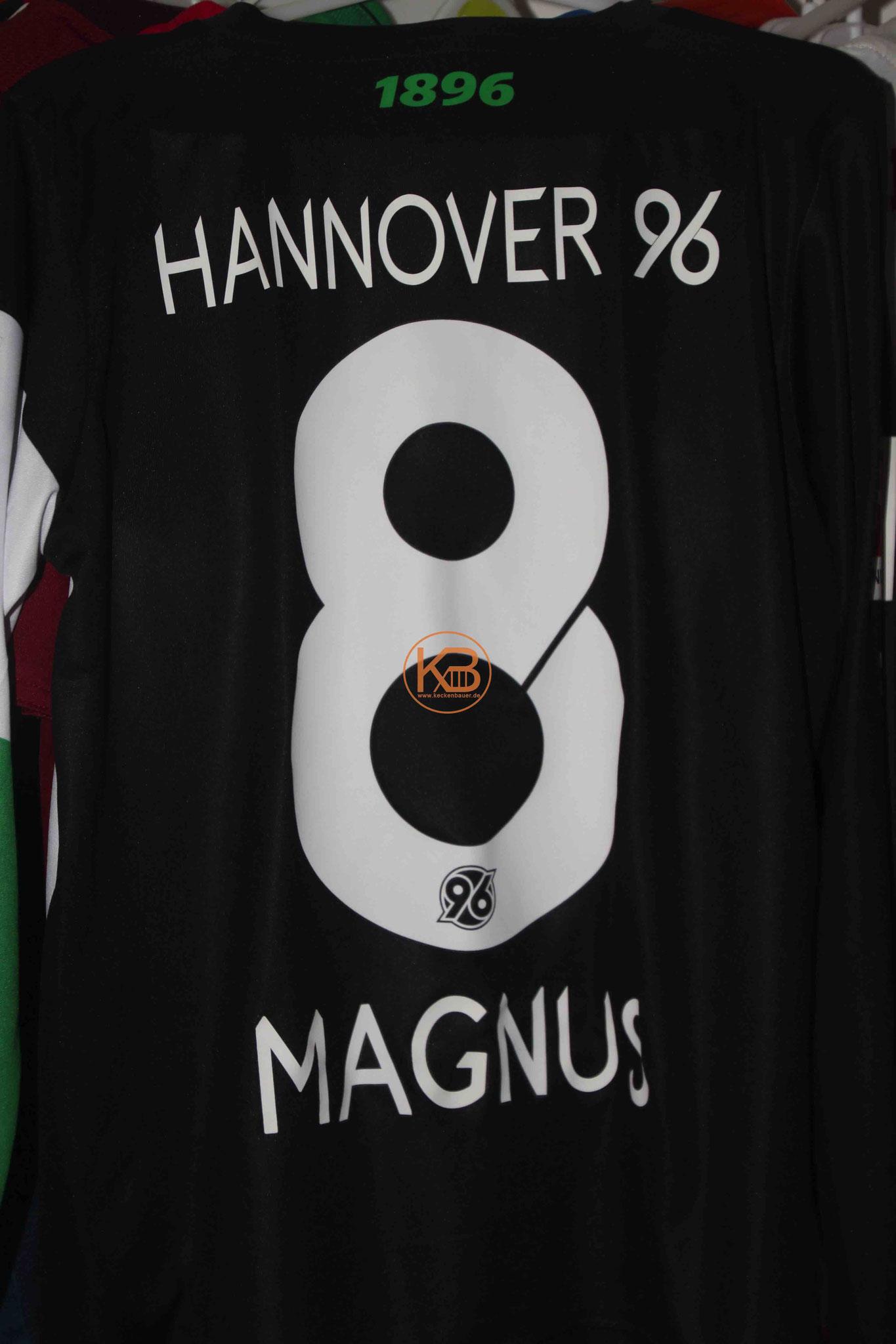 """Sondertrikot mit Eigennamen von Hannover96 mit """"seiner"""" Nummer 8 2/2"""