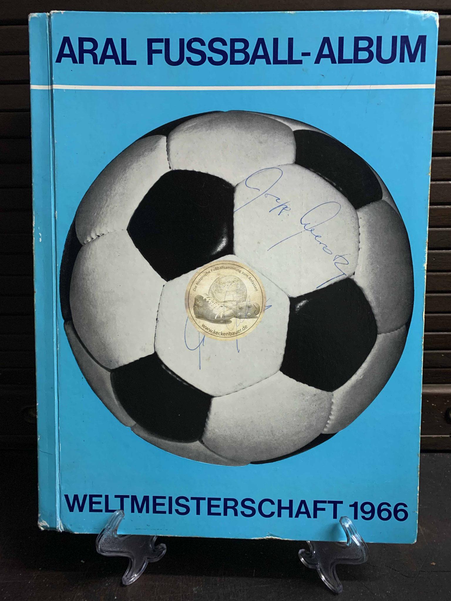 ARAL Fußball-Album Weltmeisterschaft 1966, natürlich vollständig.