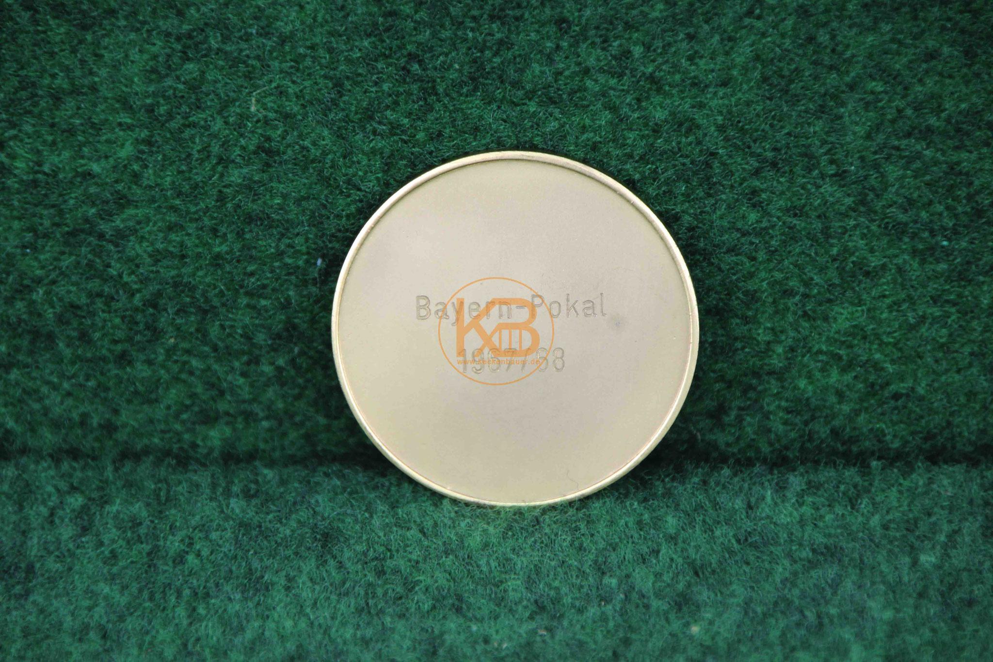 Original Münze des B.F.V. zum Gewinn des Bayern Pokal im Jahr 1967/68 in Gold 2/2