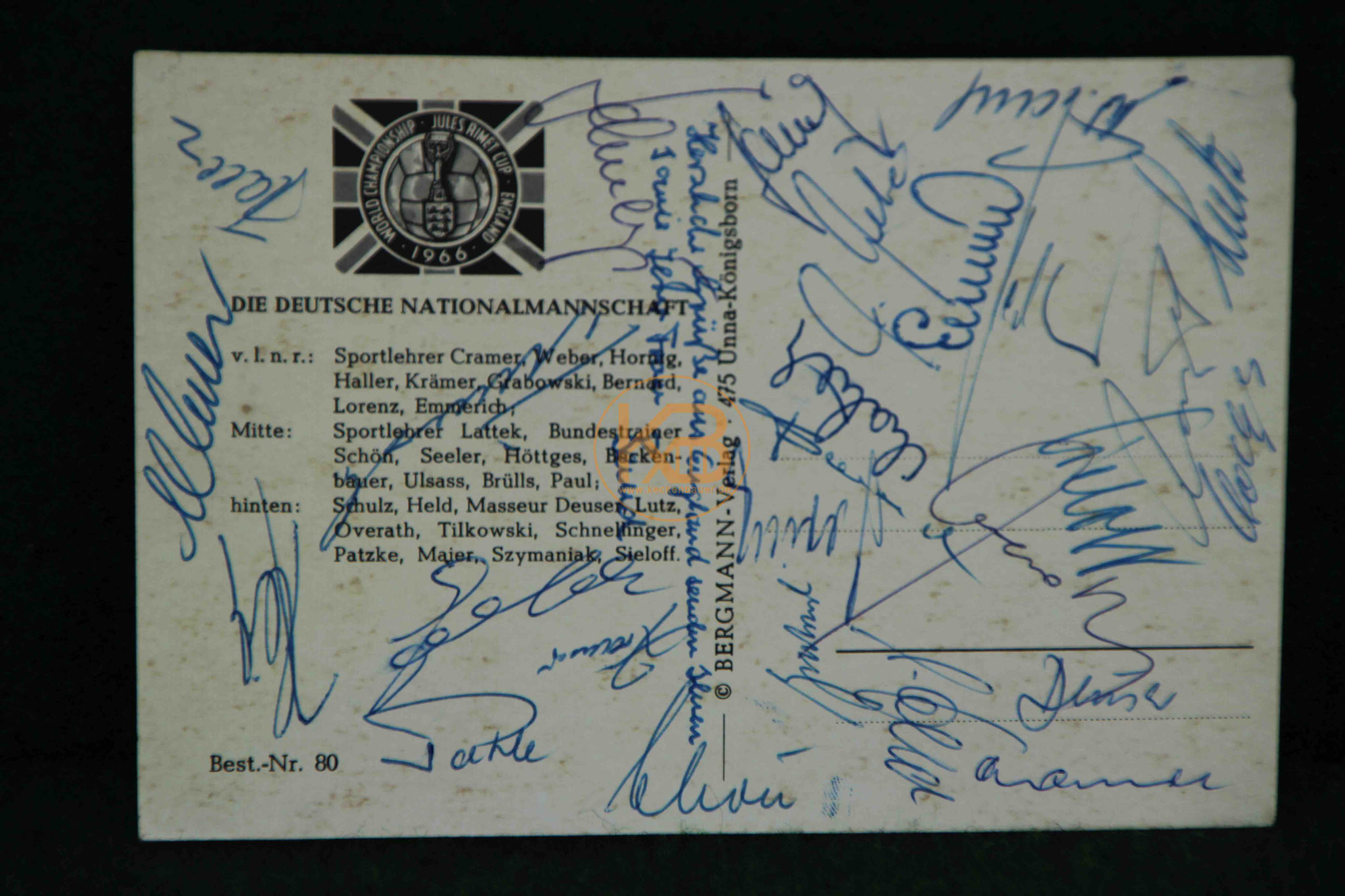 Ansichtskarte der Deutschen Nationalmannschaft von 1966 mit allen original Unterschriften aus dem Nachlass von Max Merkel 2/2