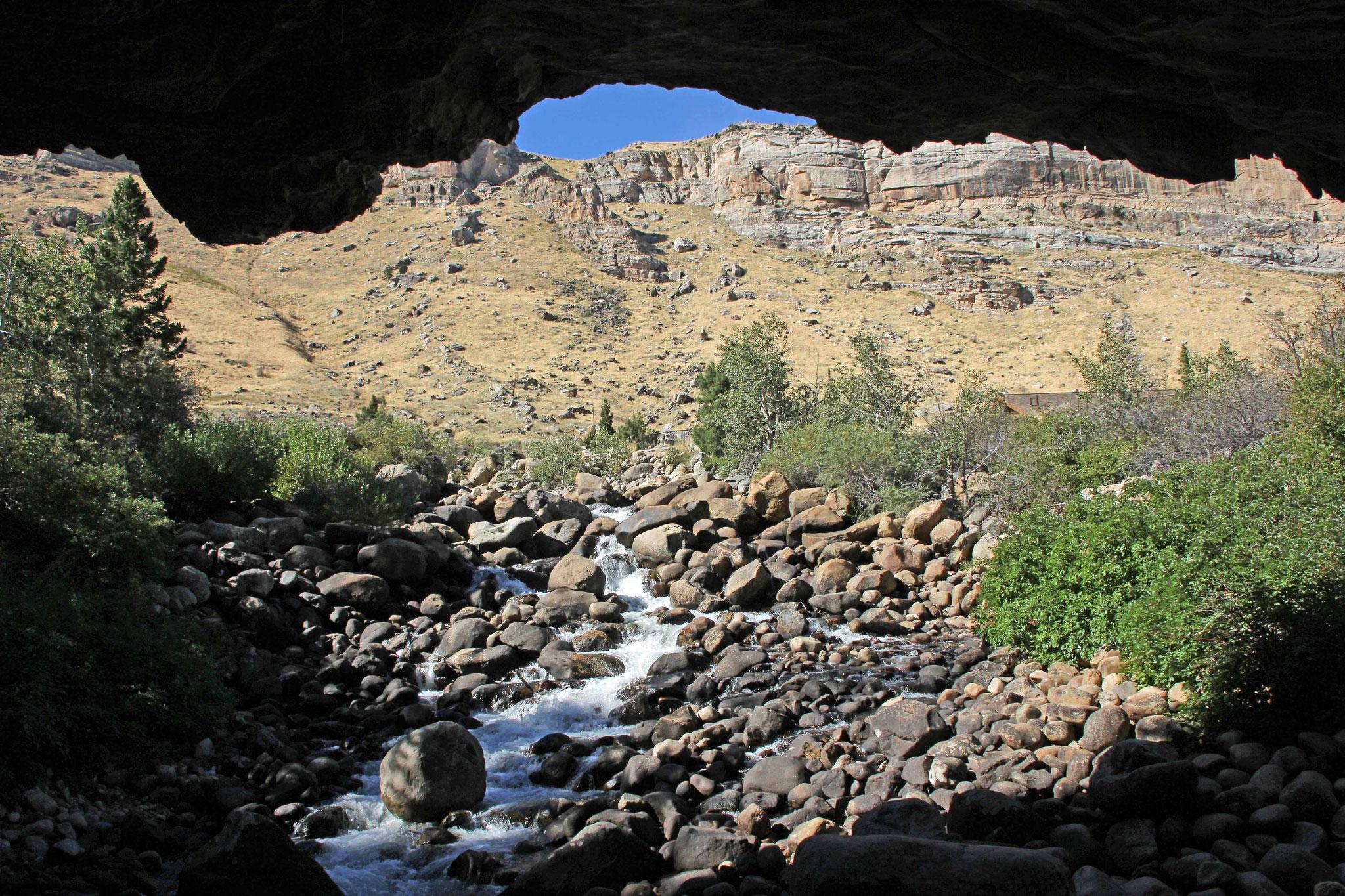 Bild 21 Am Sinks Canyon, wo das Flüßchen in einer Höhle verschwindet