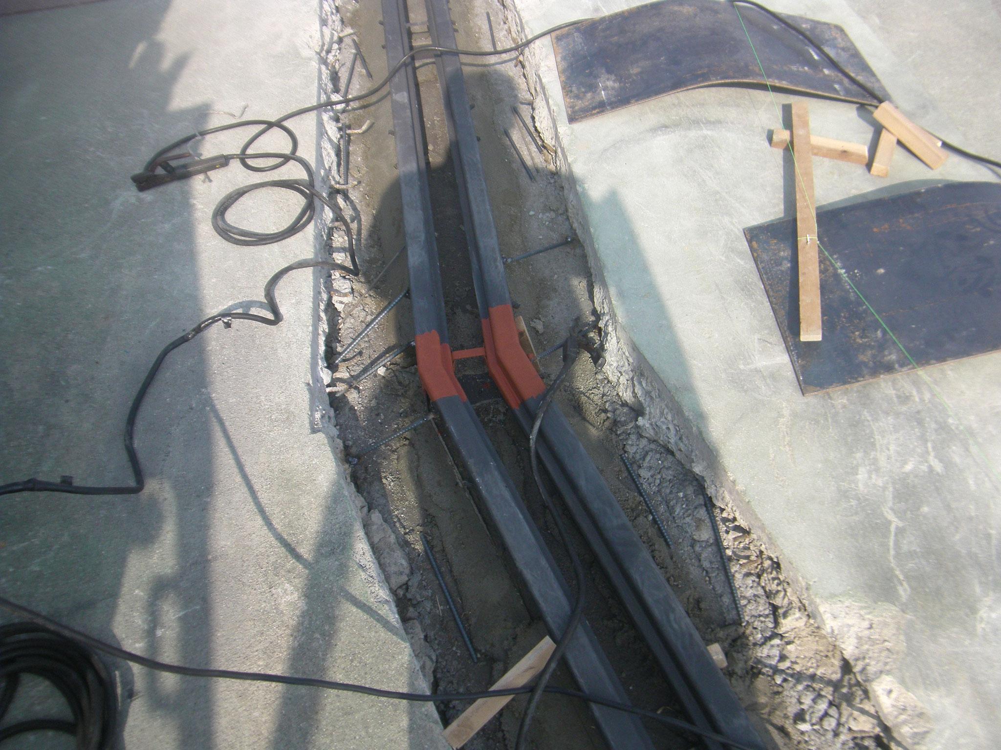 グレーチング雑鍛冶工事の工程写真