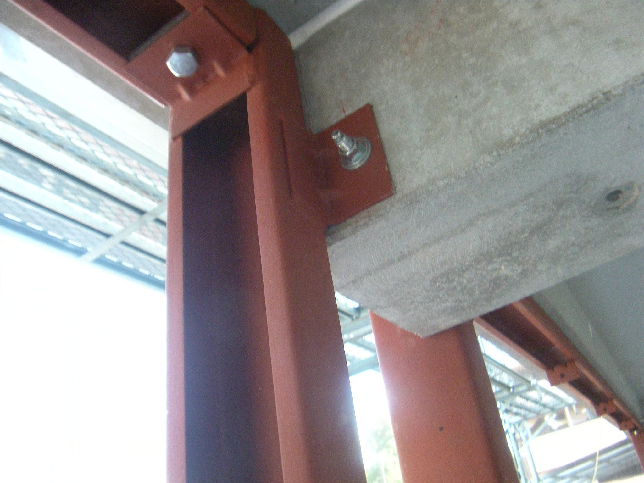 フロントサッシ鉄骨下地:工程写真