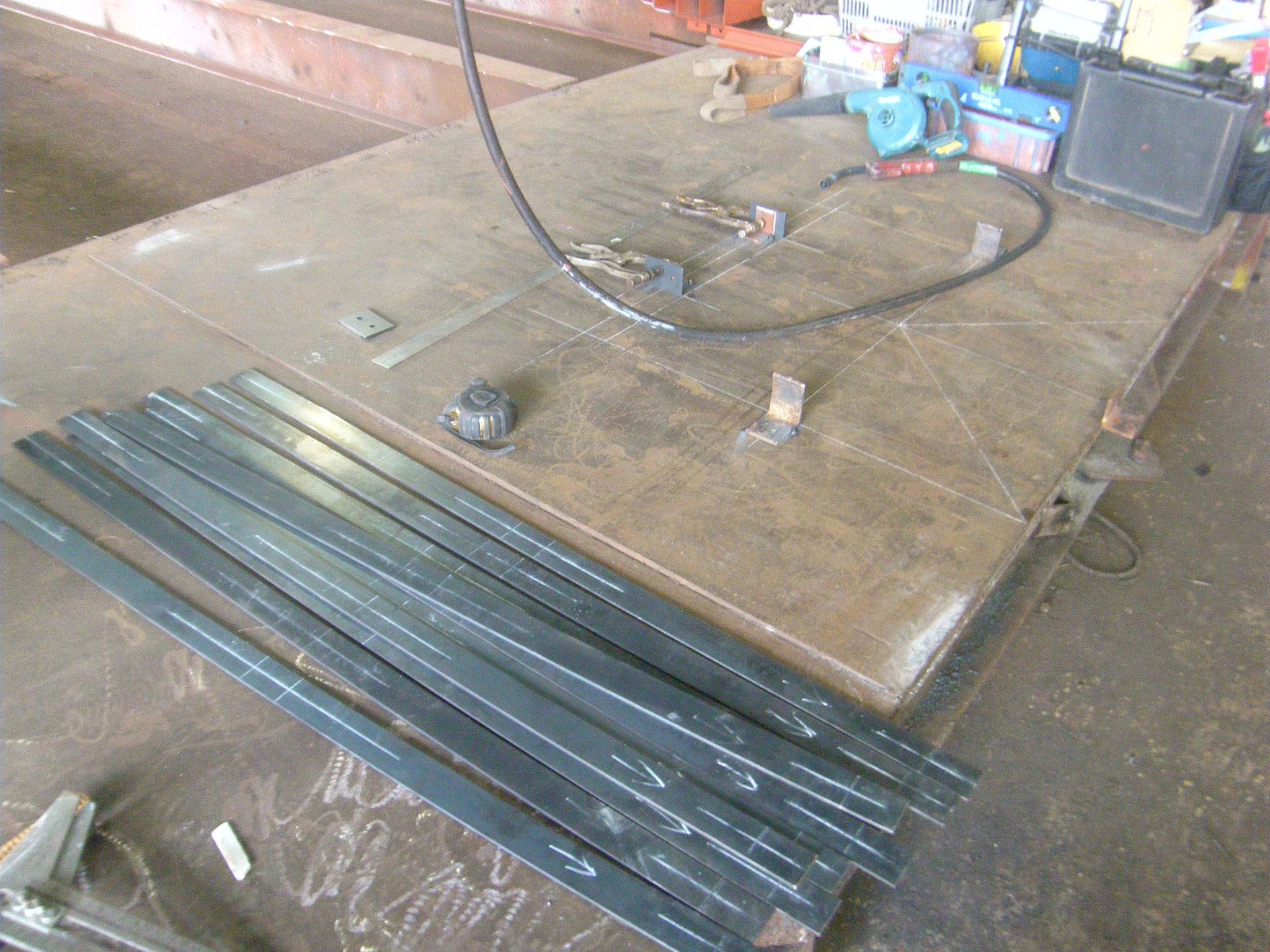 貯水槽タラップ防護柵の工程写真