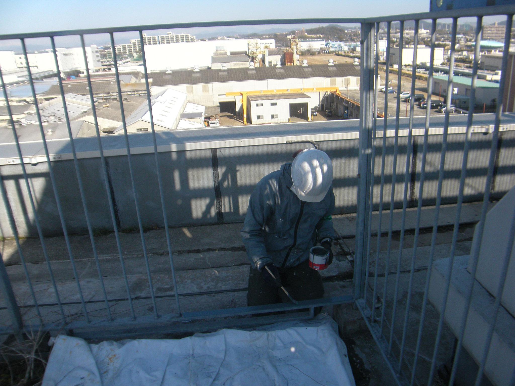 屋上鉄柵出入口新設工事:工程写真