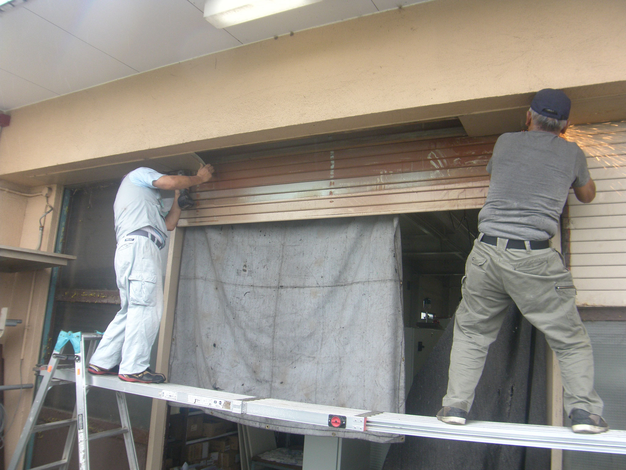手動シャッター改修工事:工程写真