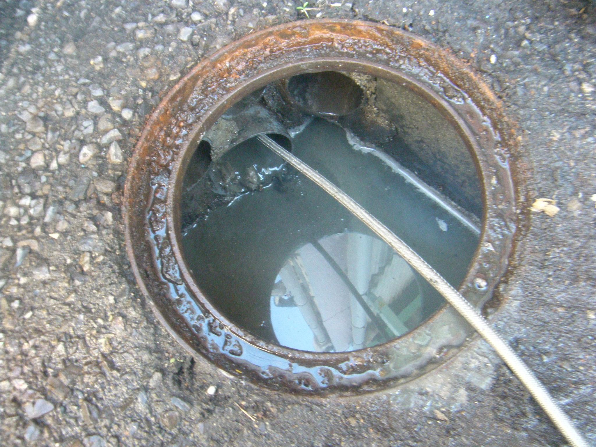 排水管高圧洗浄工事:工程写真