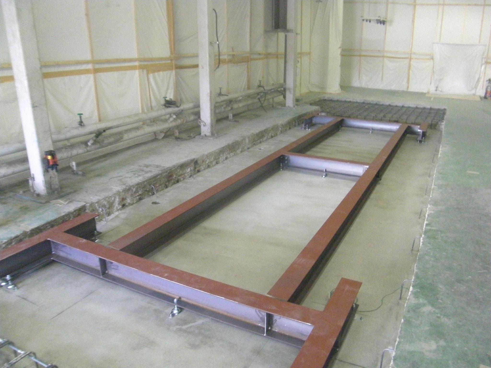 機械基礎鉄骨土台:工程写真