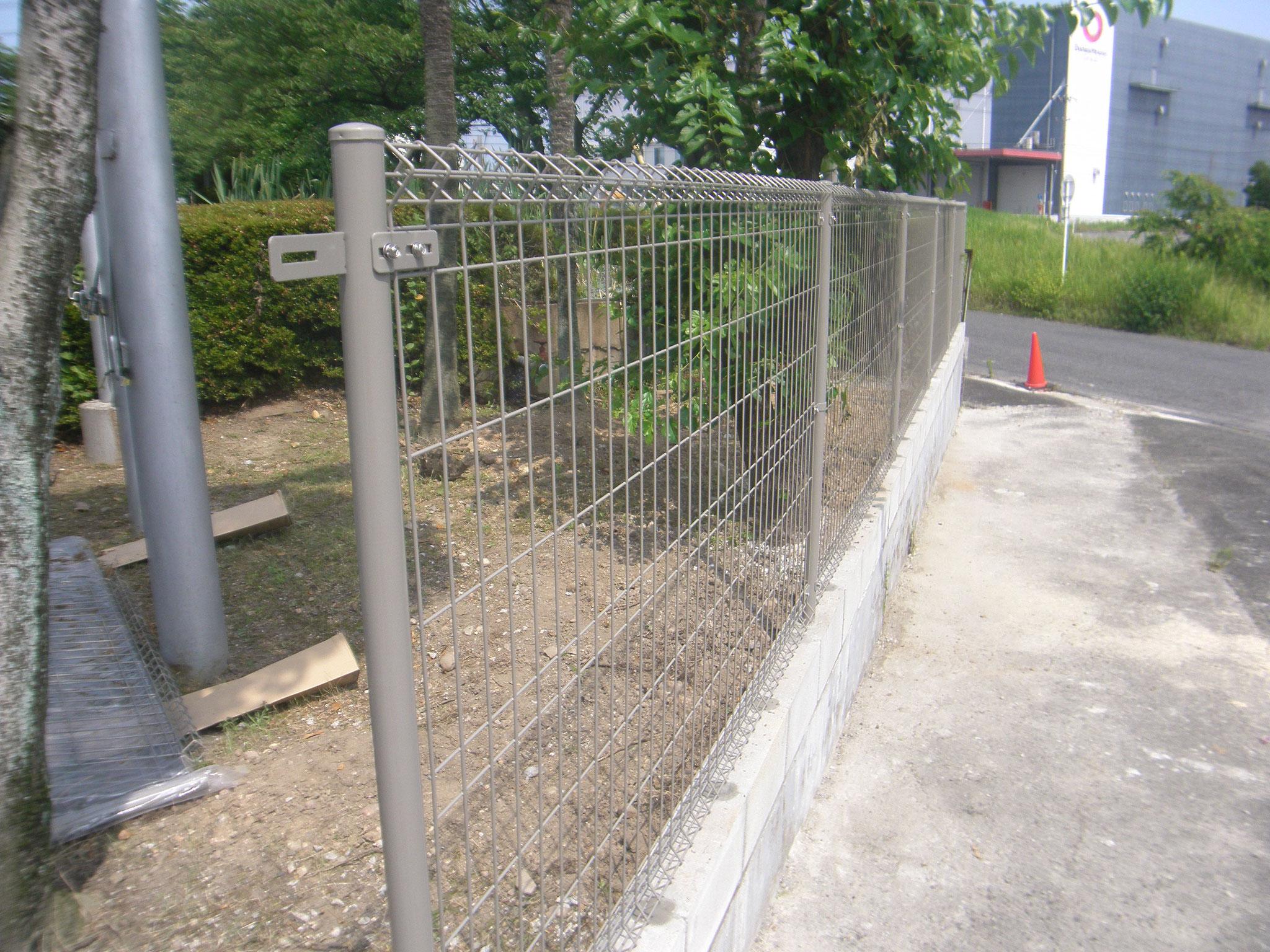 門柱・門塀改修工事の工事写真