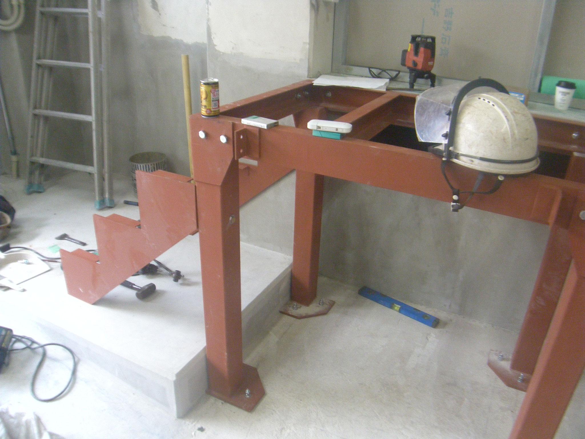 鉄骨ステージ・手摺工事:工程写真