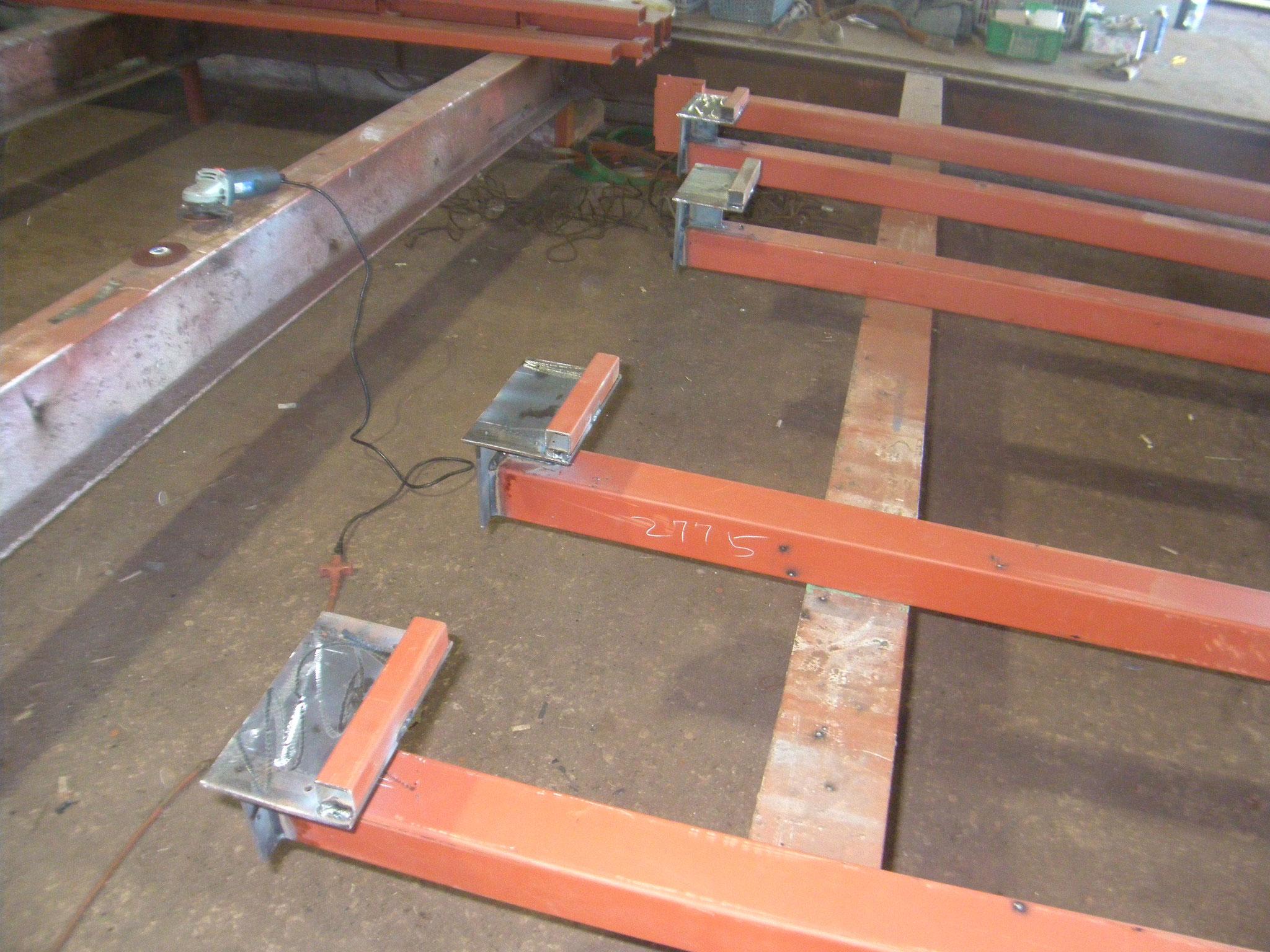 木造アパート補強柱の工程写真