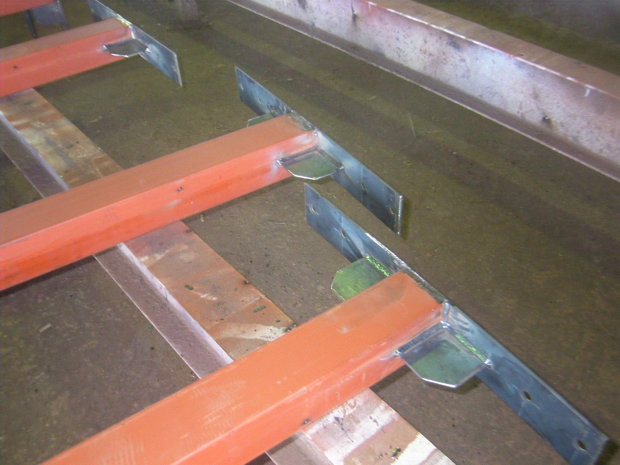パーテーション補強鉄骨:工程写真