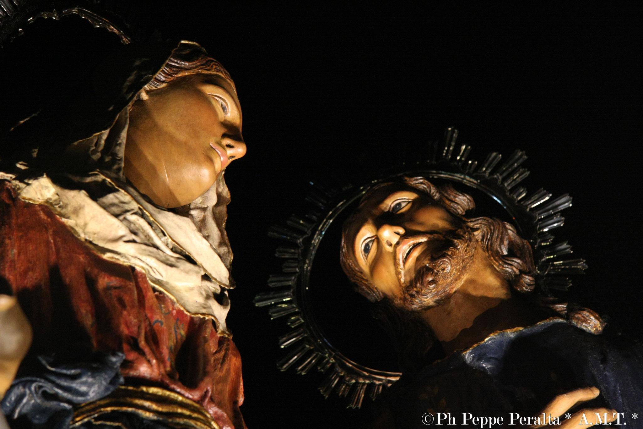 Sguardo tra Maria e Gesù