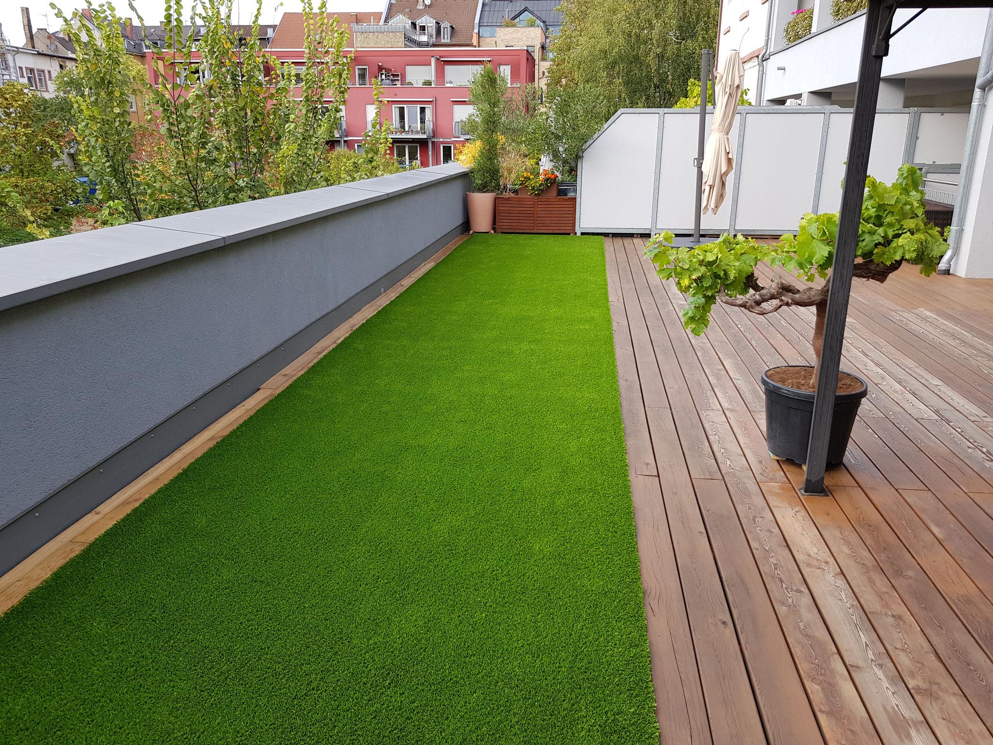 Royal Grass Deluxe auf einer Dachterrasse