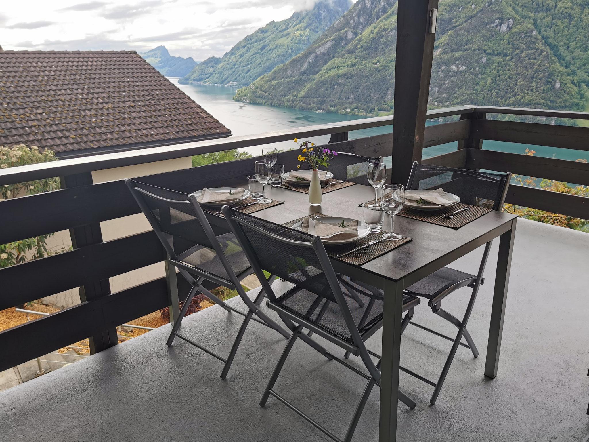 Balkon Esstisch